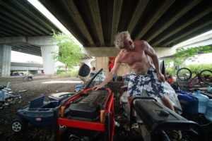 State Plans To Clear Out Homeless Camp Under Honolulu Freeway