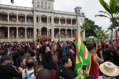Palace And Capitol: Hawaiian Event Bridges Two Worlds