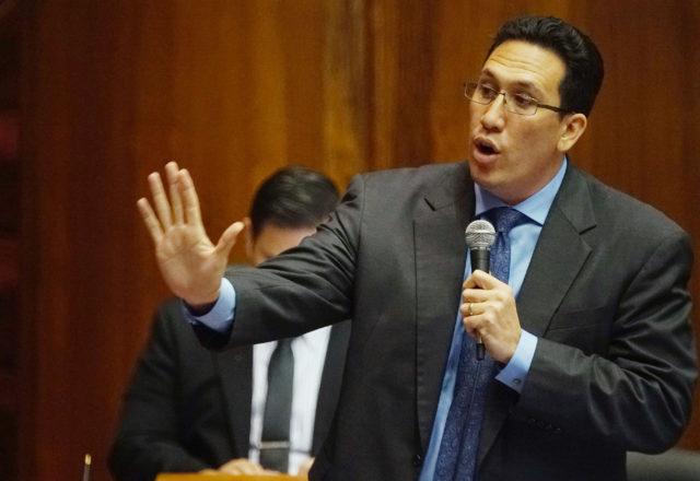 Rep Jarrett Keohokalole speaks in support of death bill on the House floor.