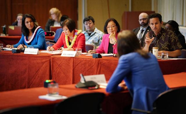 L-Right, Rep Gabbard, Rep Hanabusa, Sen Mazie Hirono and right, Sen Brian Schatz at EW Center Hearing.