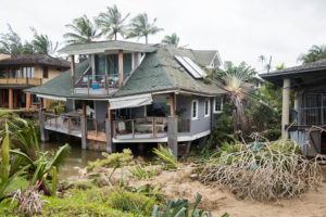 Kauai: Record Storm Drives Tourists Out But Hanalei Residents Dig In
