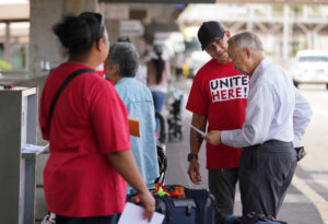 United Airlines Resists Honolulu Workers' Effort To Unionize