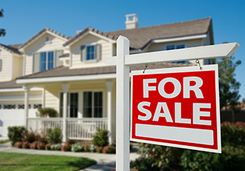 SAVVY SENIOR LIVING -- SELLING YOUR HOME IN TODAY'S MARKET picture