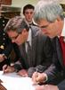 Ecole-signing