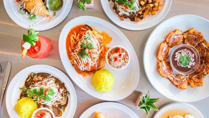 Canasta Kitchen Food