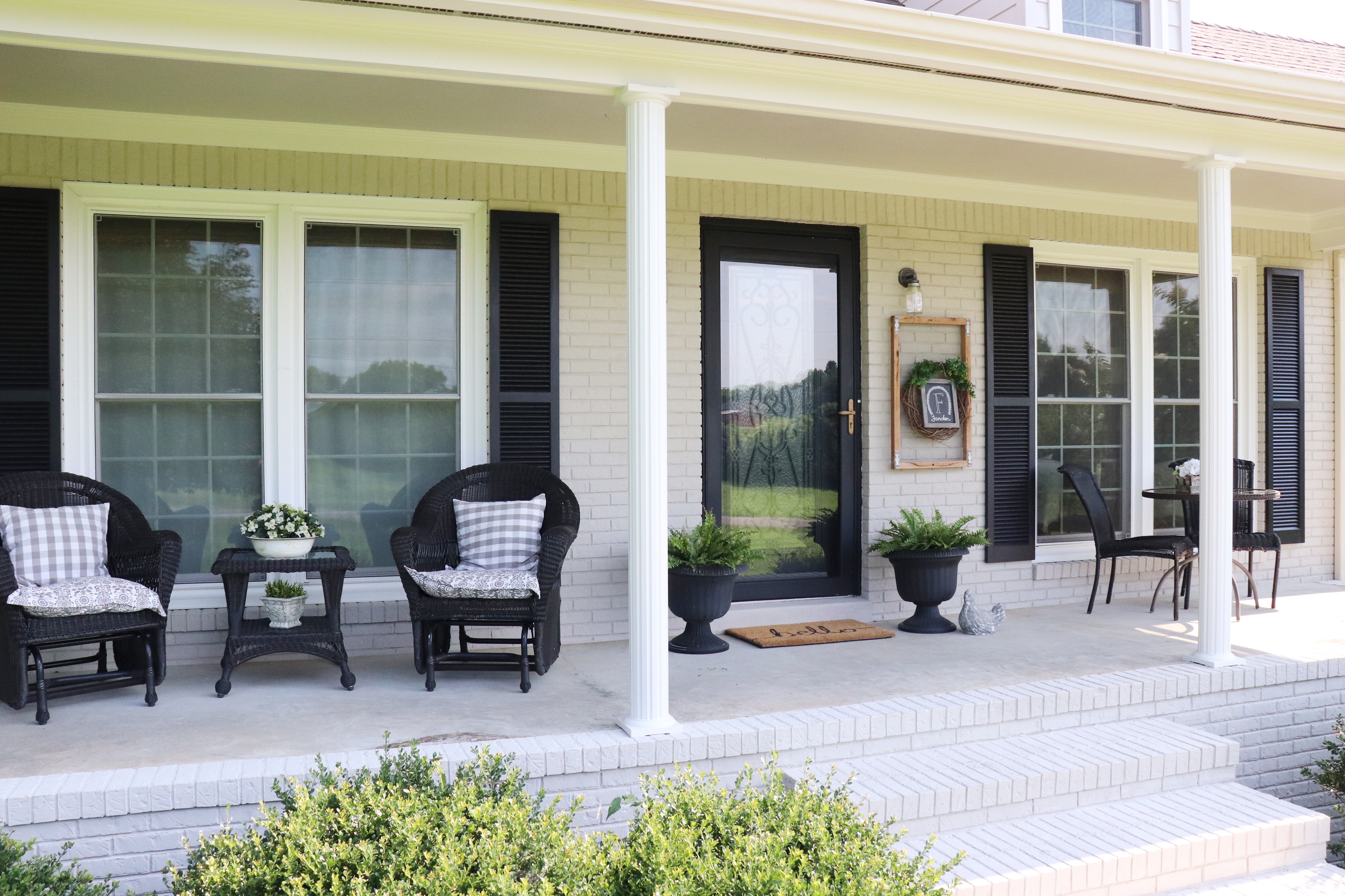12 Farmhouse Exterior Ideas That Are the Definition of Rustic-Chic | Hunker