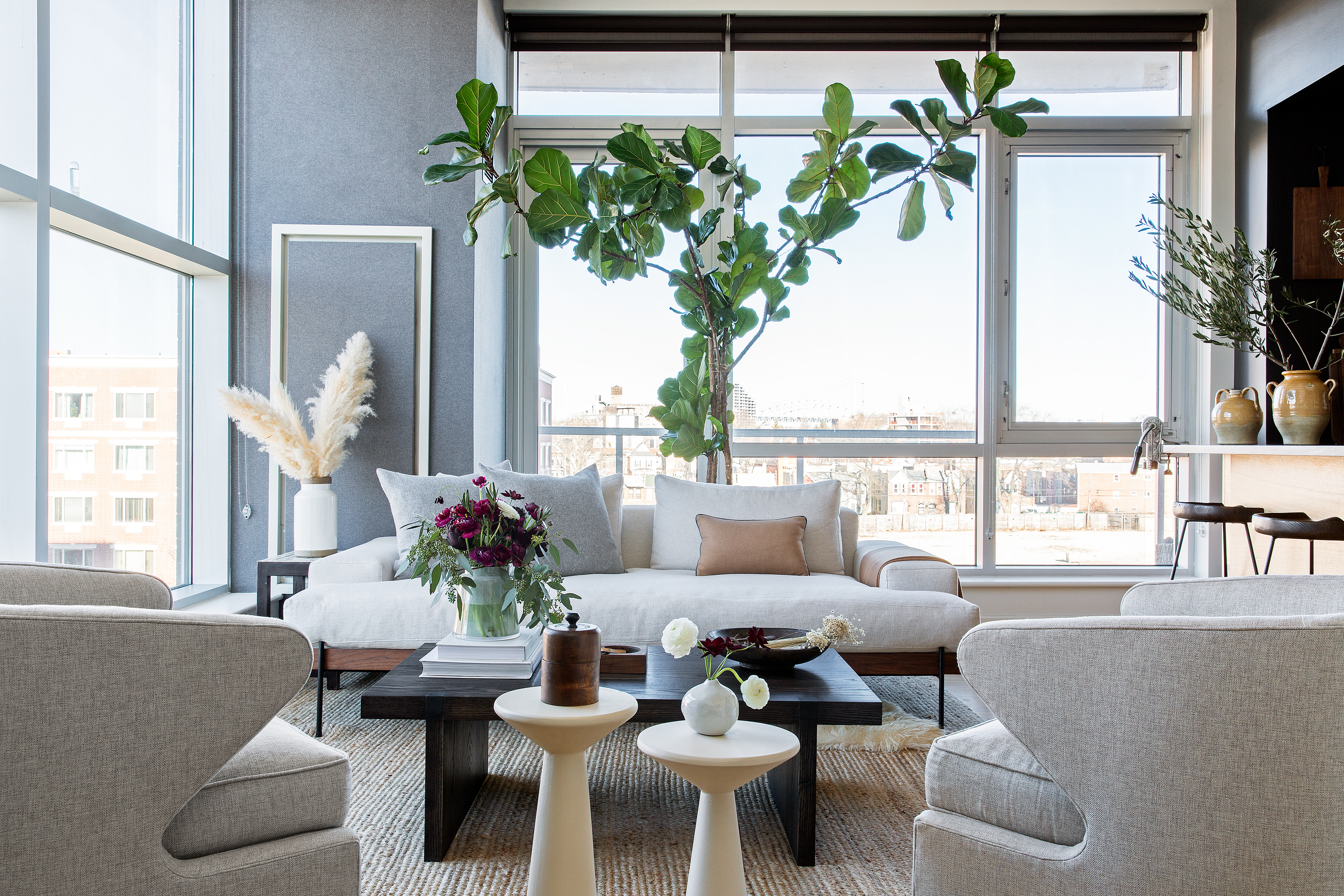 Designer Becky Shea's Long Island City Apartment Channels Modern Cali | Hunker