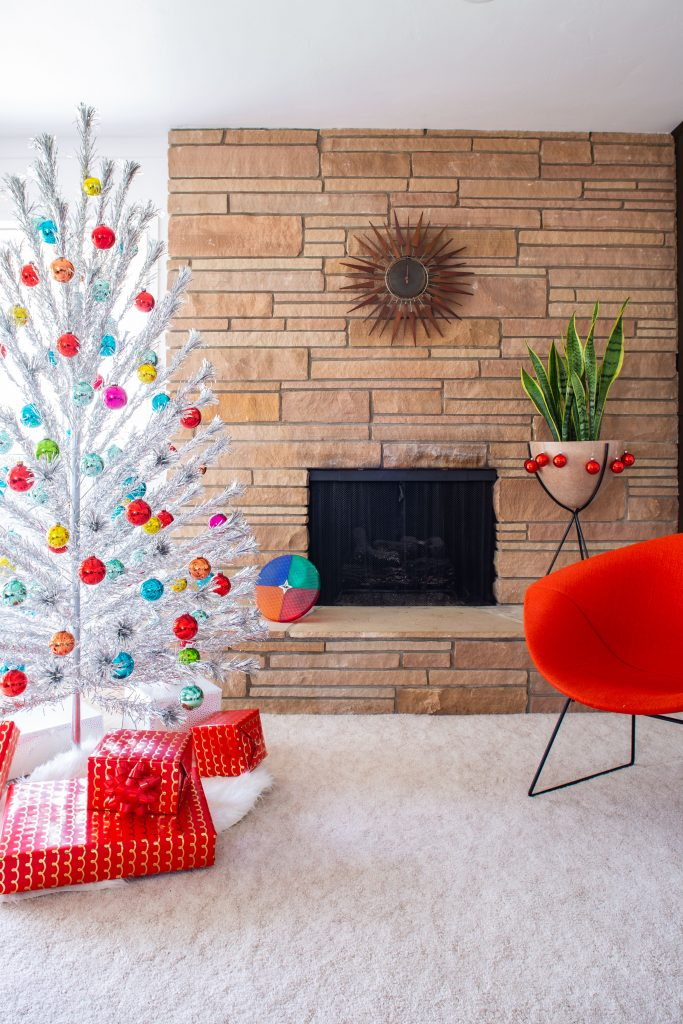 Midcentury Modern Christmas Tree Ideas: Inspiration and Shopping Suggestions