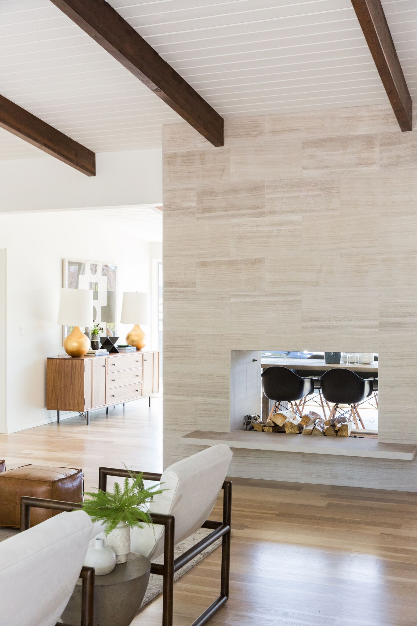 These Two Sided Fireplaces Would Easily Make Winter A Little