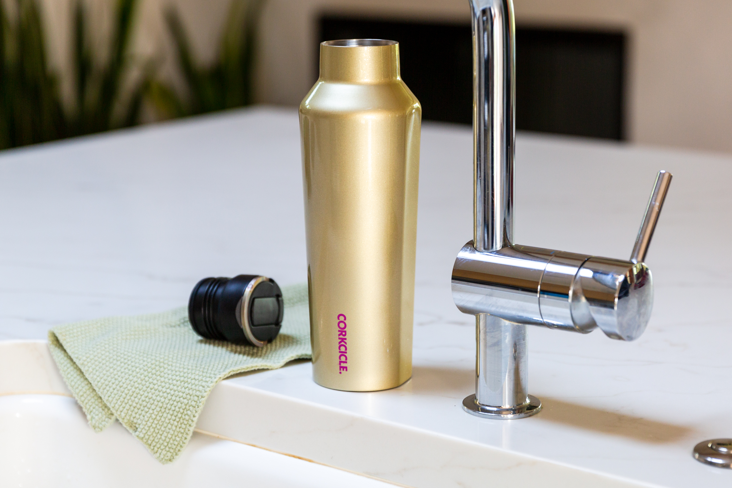 Guide to Cleaning Your Reusable Water Bottle | Hunker