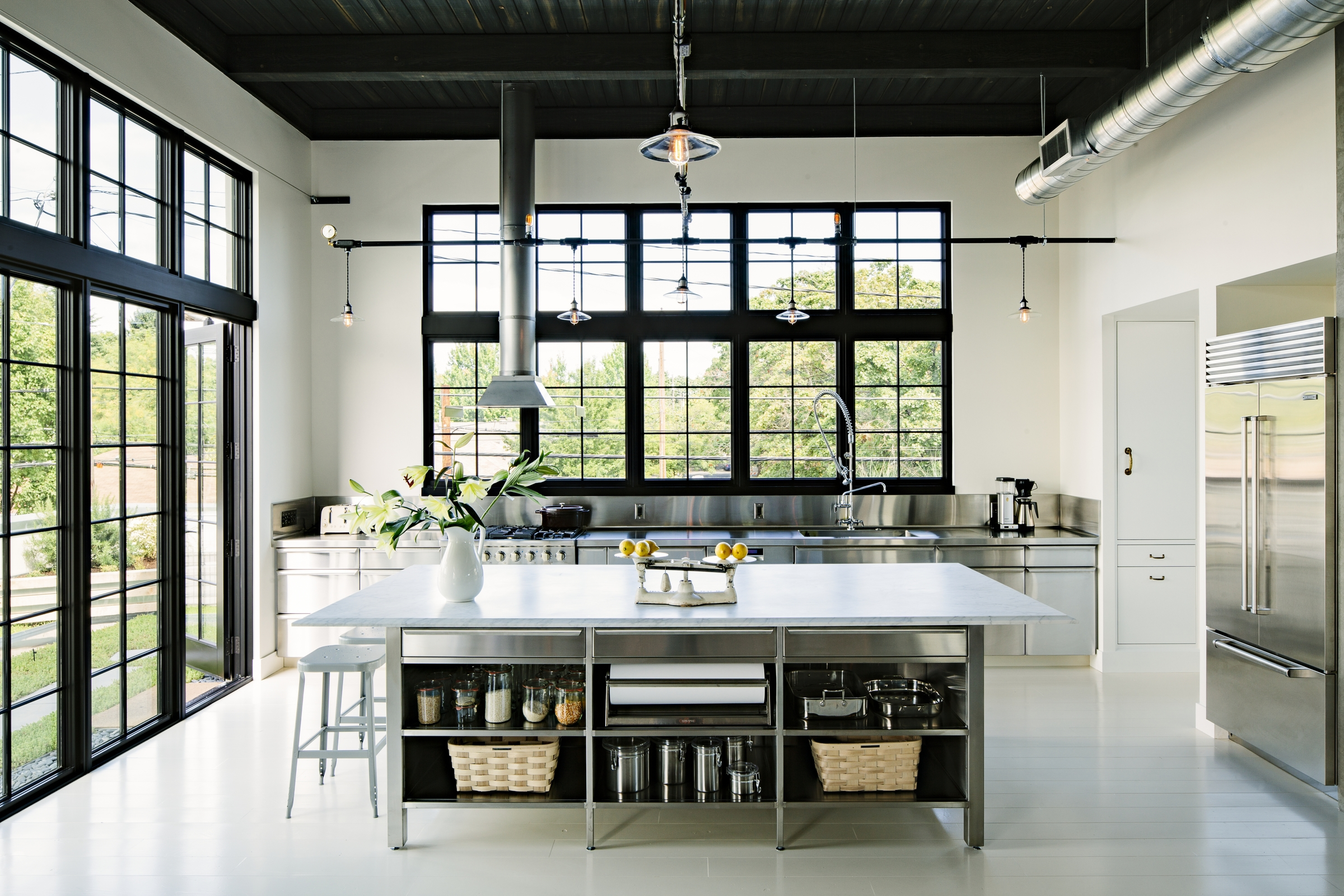 Caution: These 8 Stainless Steel Kitchen Cabinet Ideas Are Blindingly Beautiful