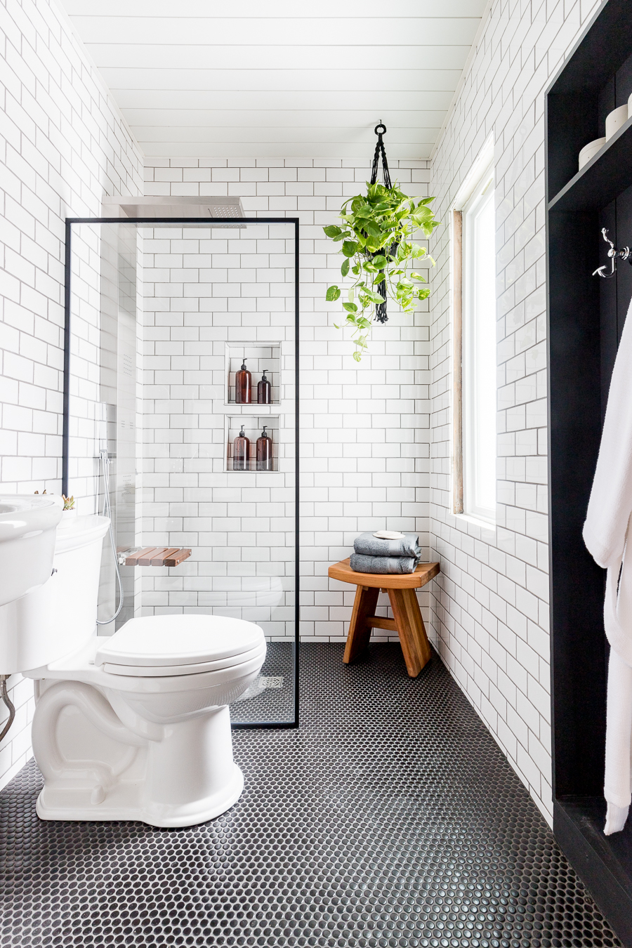 ICYMI: Small Shower Ideas Can Be Luxurious | Hunker