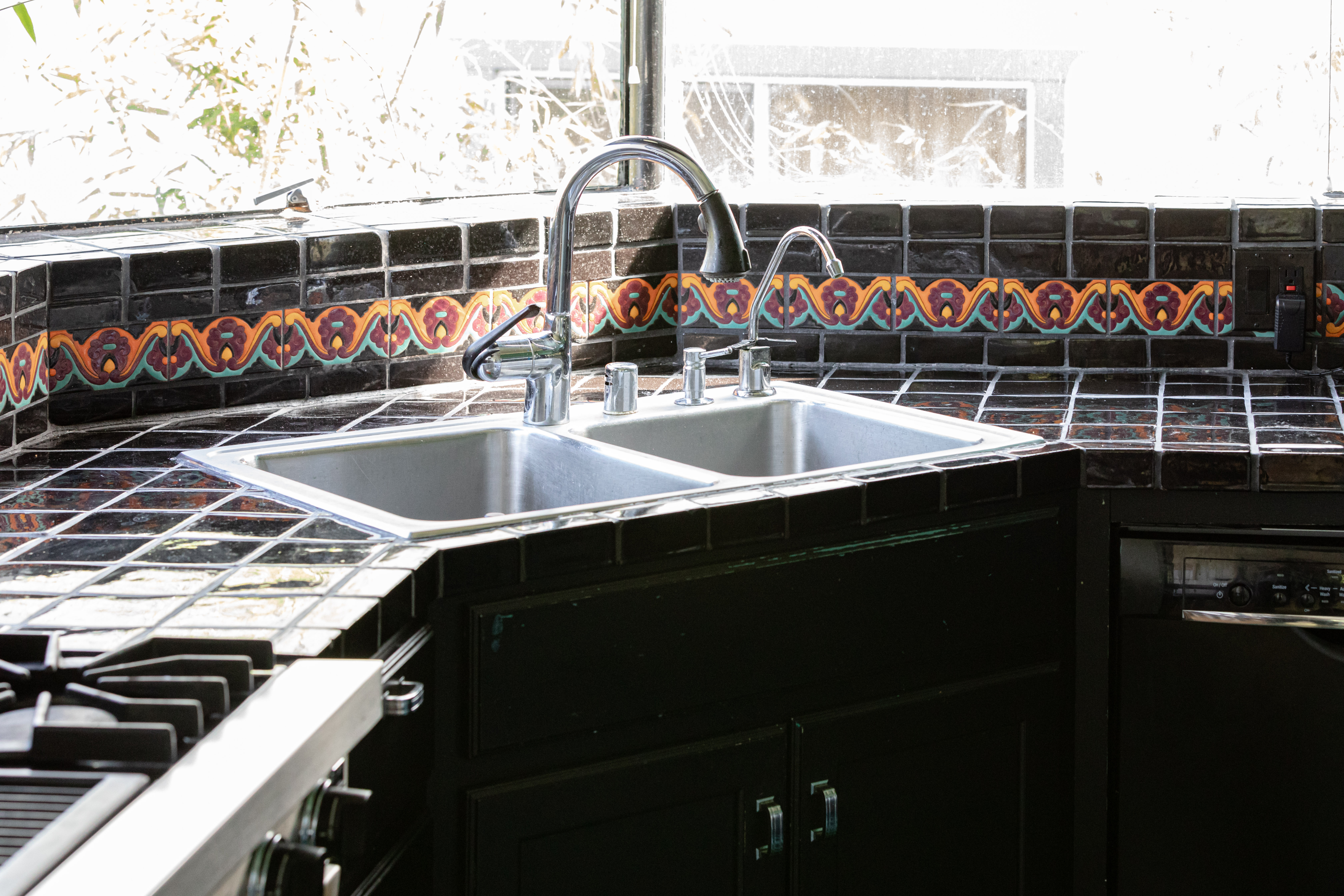 Corner Kitchen Sinks What You Should Know Hunker