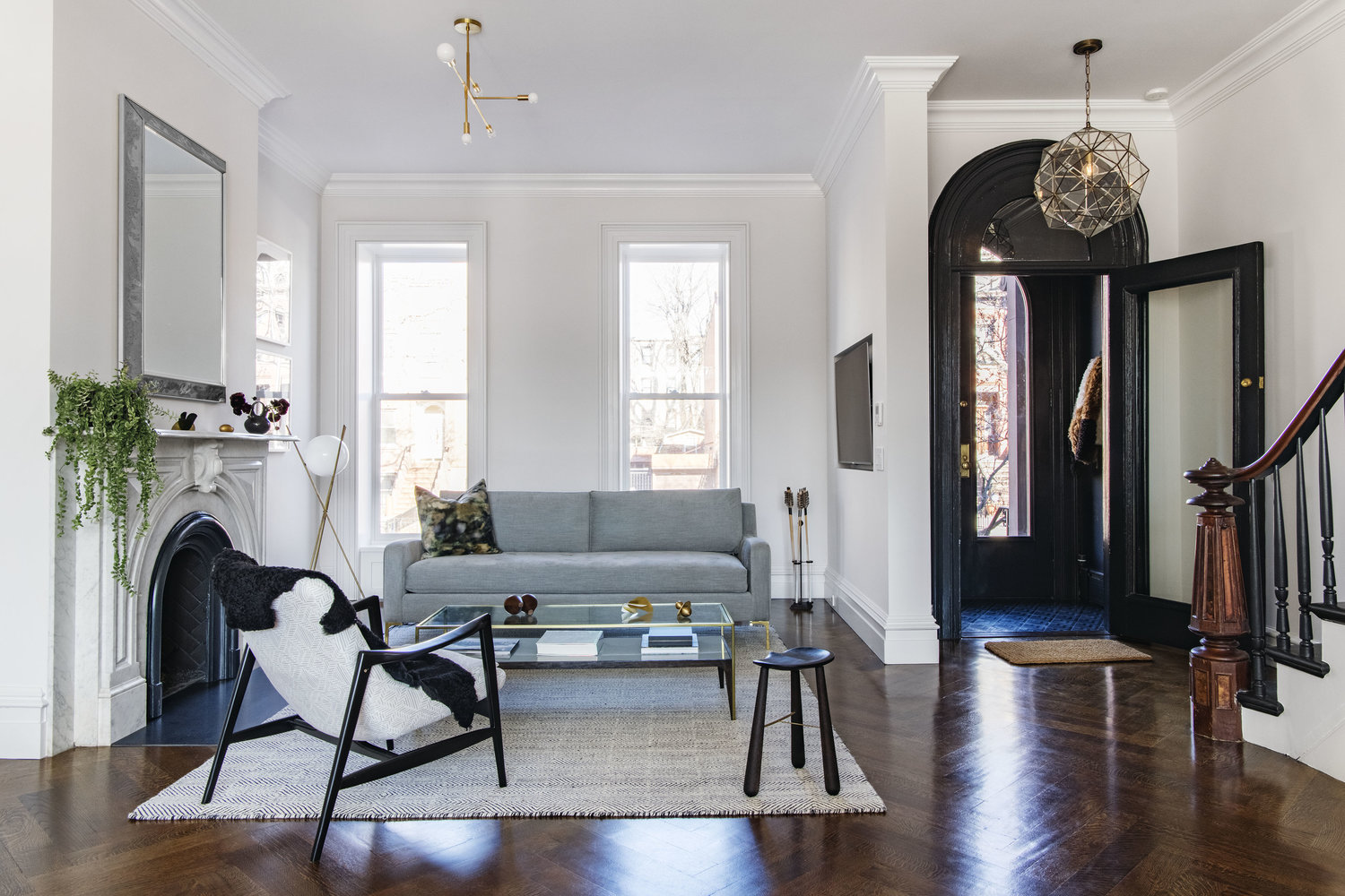 10 Small Living Room Ideas to Make 300 Square Feet Feel Like a Mansion | Hunker