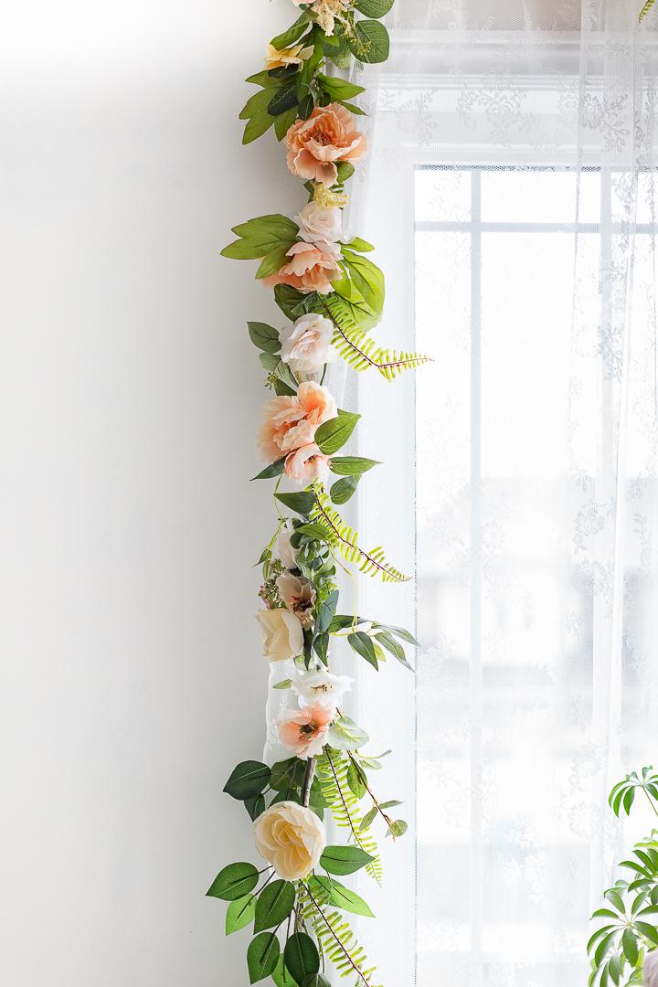 Diy Flower Garland Using Real Or Faux Flowers Hunker