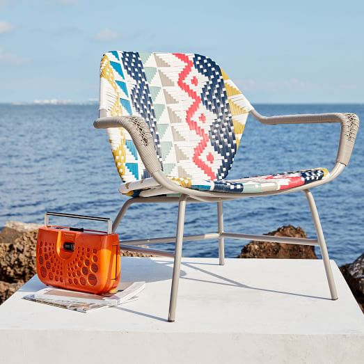 Fabulous Decor O Scopes Outdoor Lounge Chairs Hunker Squirreltailoven Fun Painted Chair Ideas Images Squirreltailovenorg