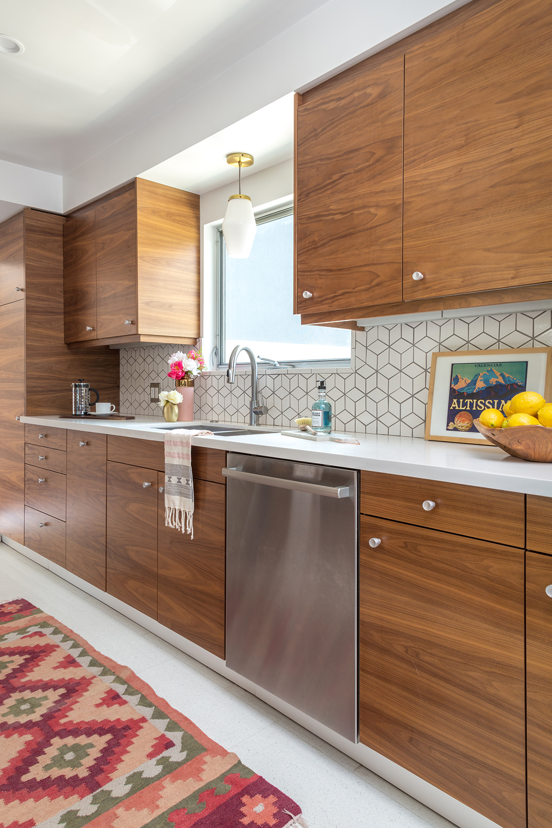 Everything to Know About Designing a Midcentury Modern Kitchen | Hunker