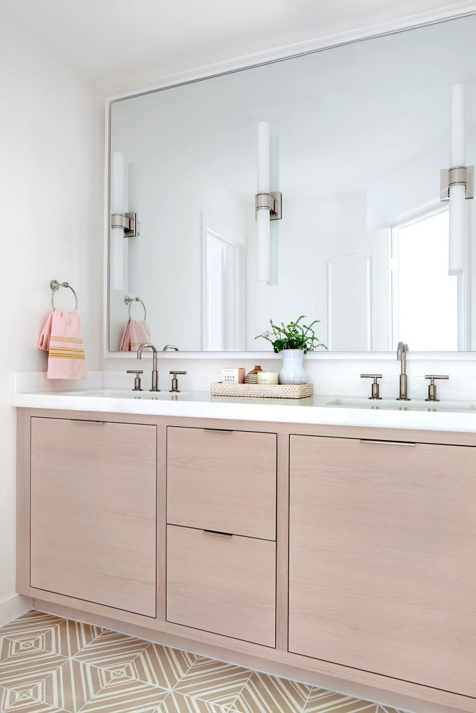 10 Ceramic Bathroom Floor Tile Ideas for Small Spaces