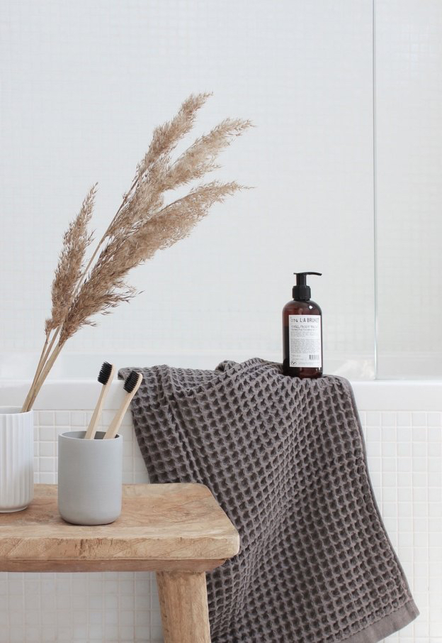 10 Fall Bathroom Decor Ideas That Are Almost as Good as a Warm PSL