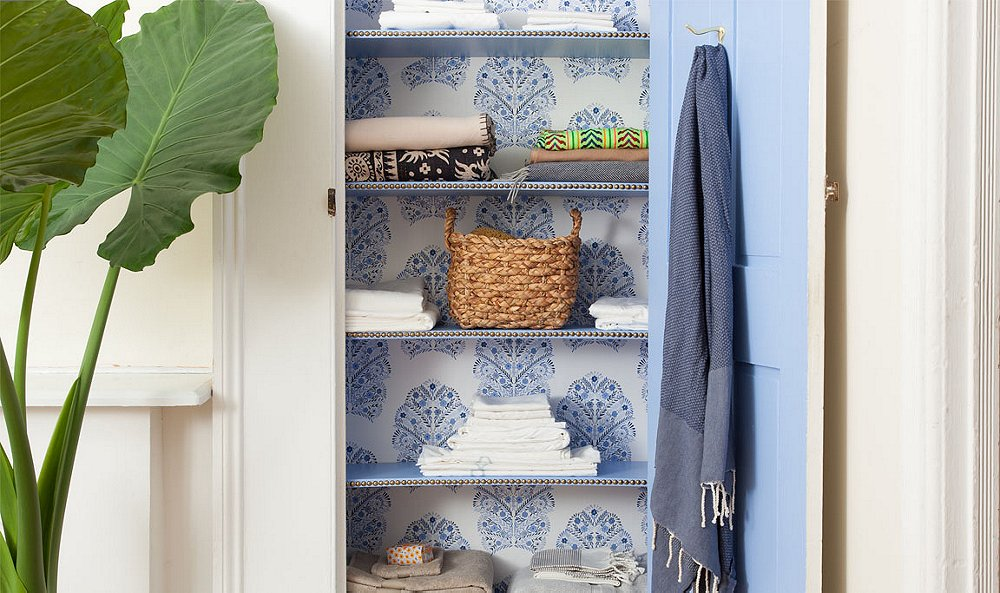 Linen Closet Organization 101: This Is One Class You Actually Don't Want to Skip