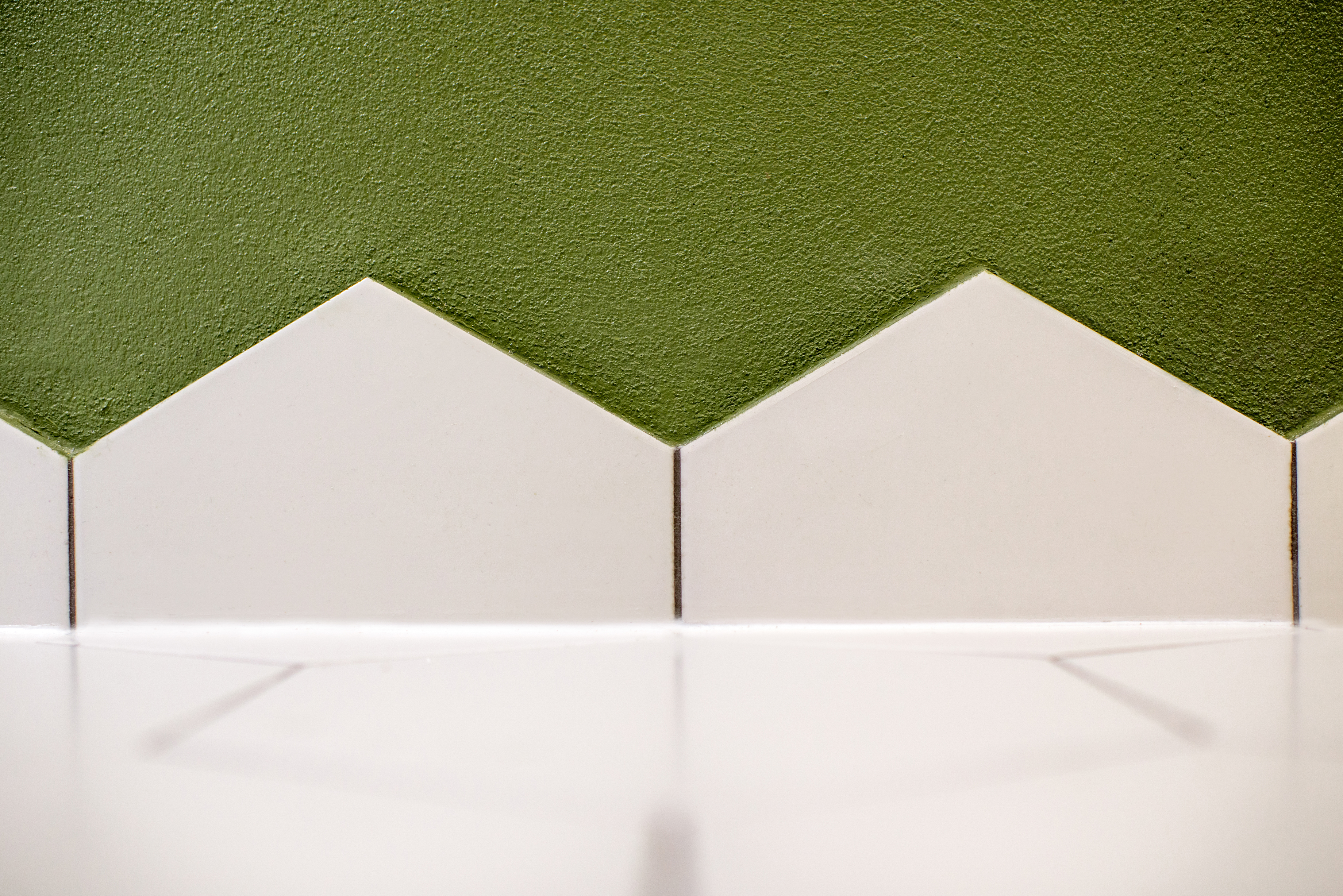 Acrylic Wall Surround Vs Tile Surround Home Guides Sf Gate