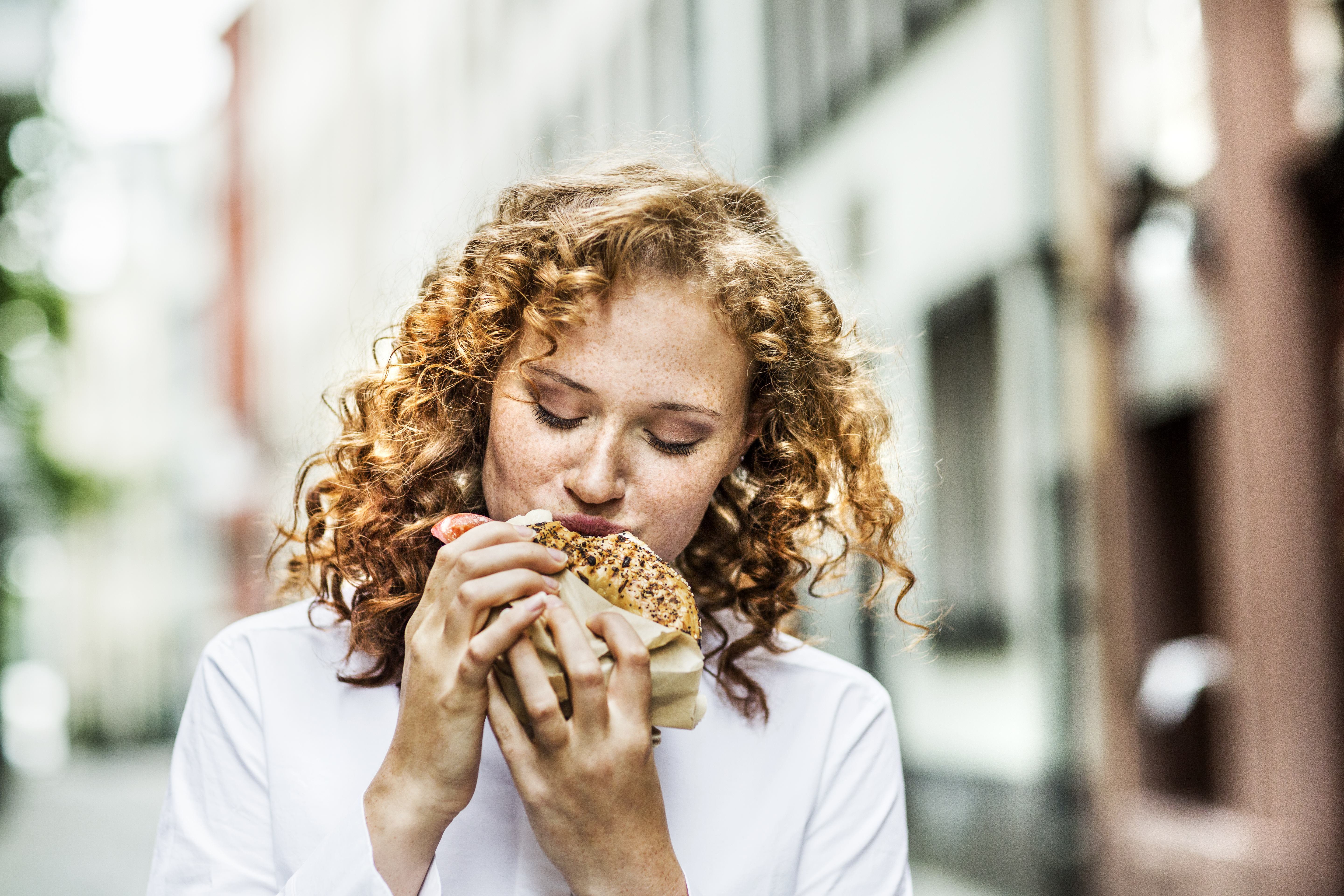 Daily Recommended Caloric Intake for Women | Healthy Eating