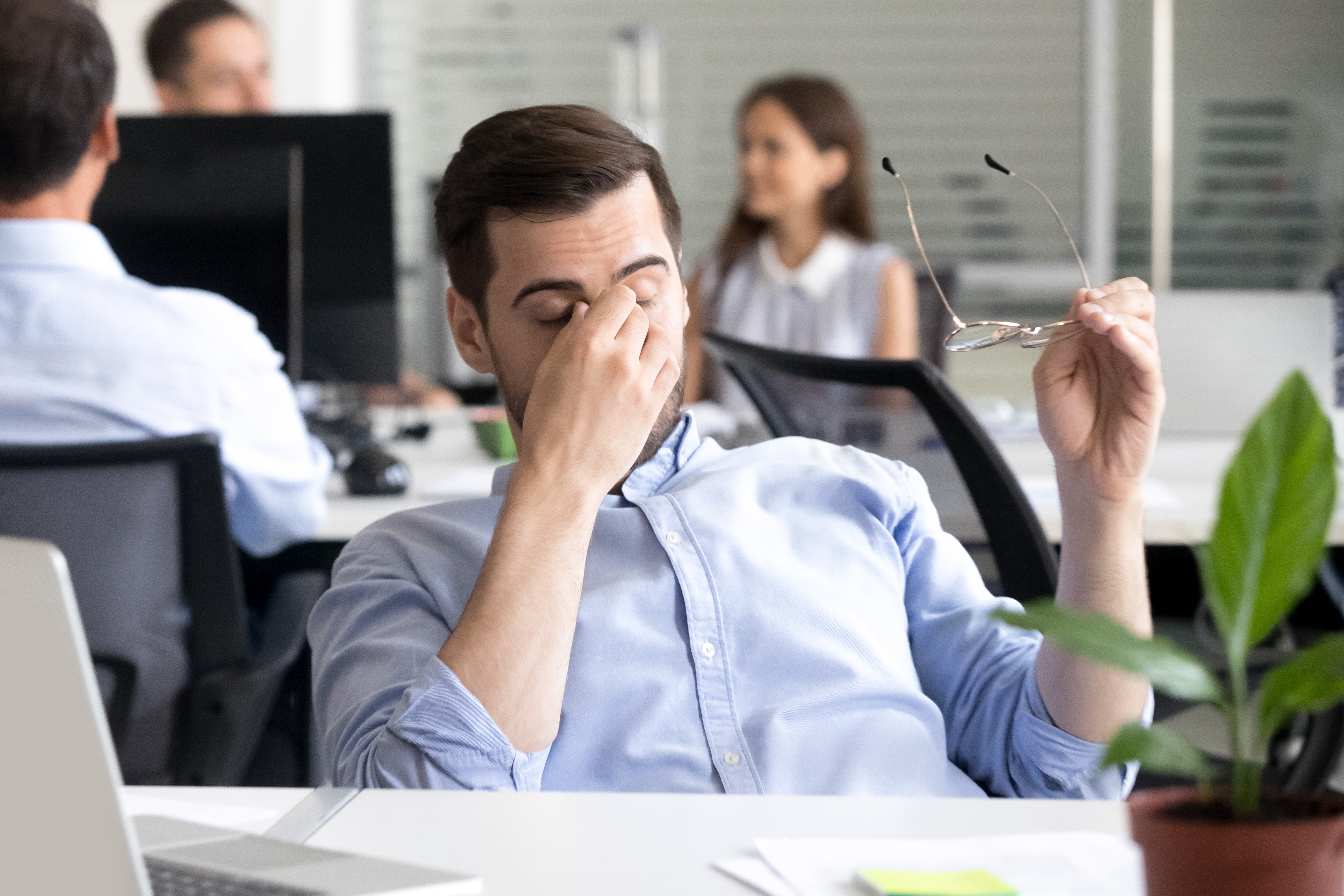 How to Deal With Co-Workers Acting Like a Boss | Career Trend