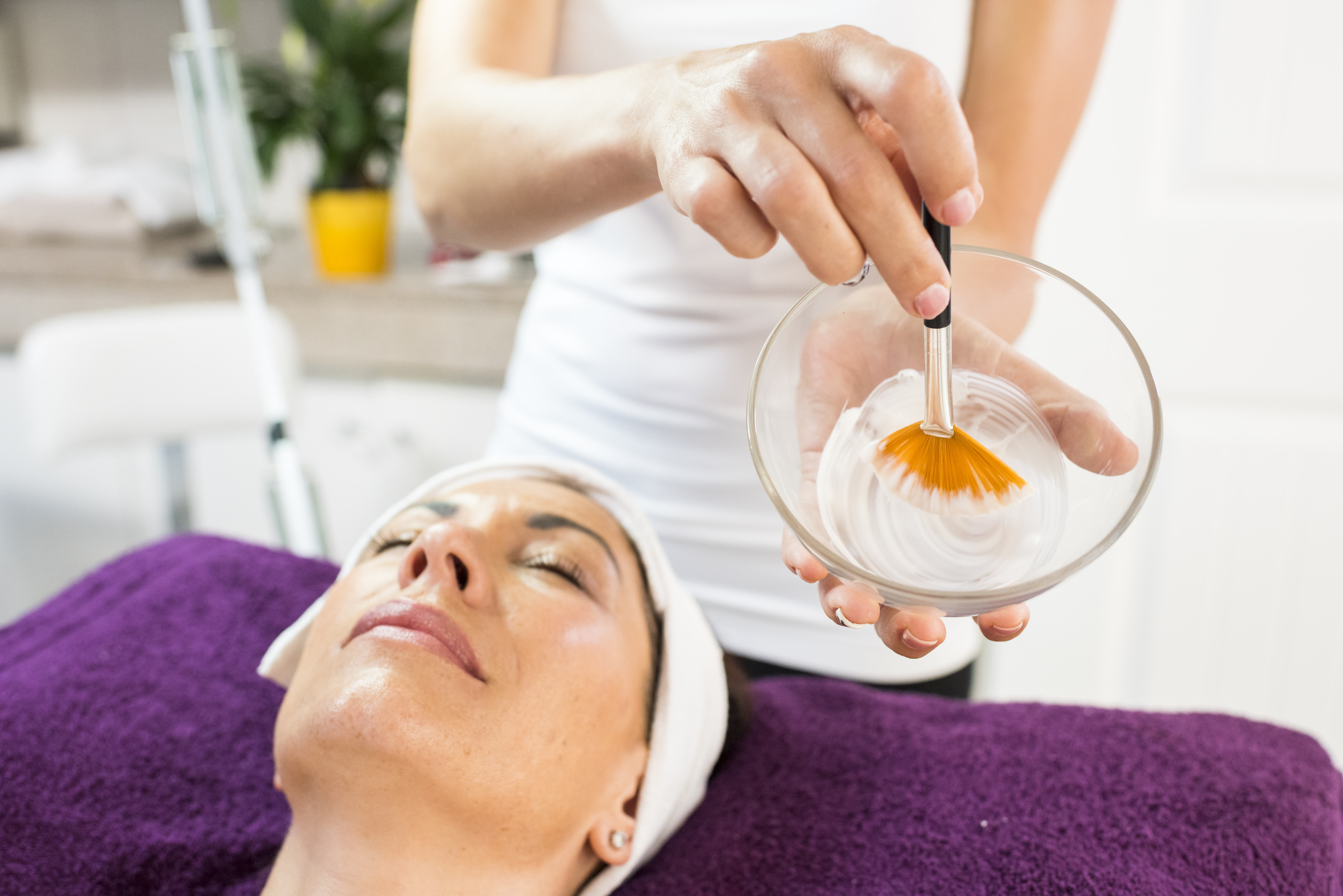 What Can I Do With an Esthetician License? | Chron com