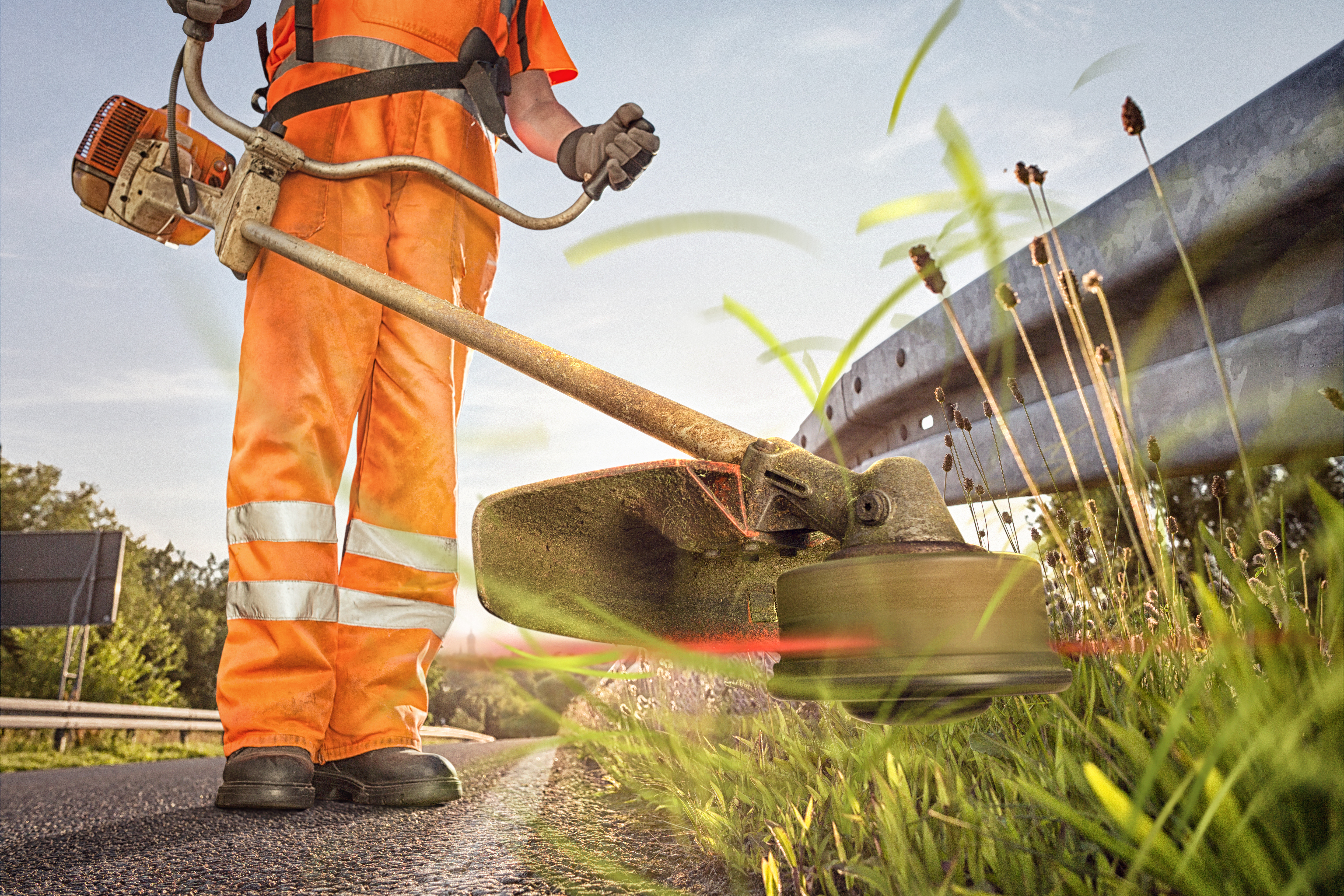 How to Unflood a Weed Eater | Home Guides | SF Gate