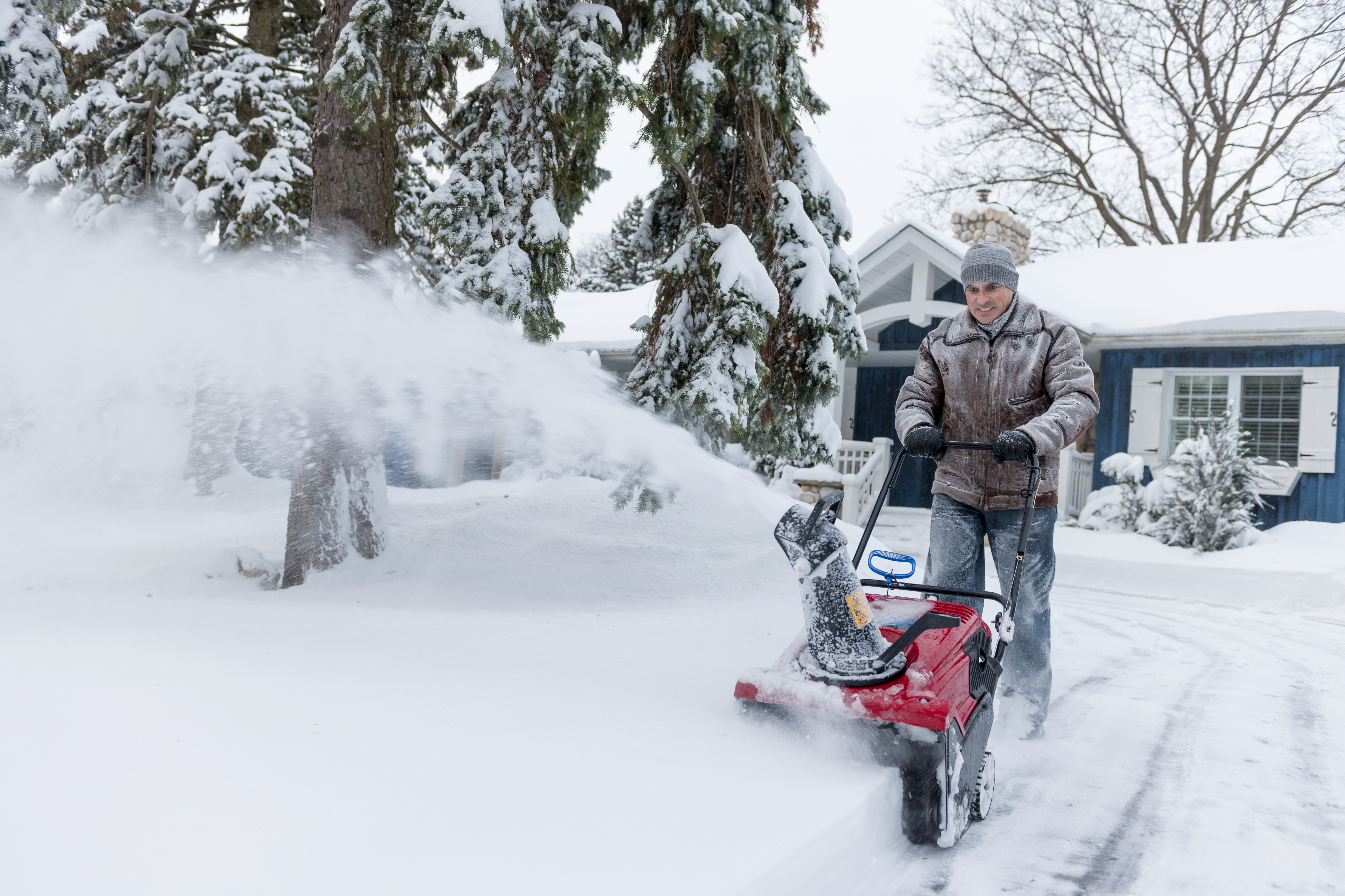 What Kind of Oil Does a Yard Machine Snow Blower Use? | Home Guides