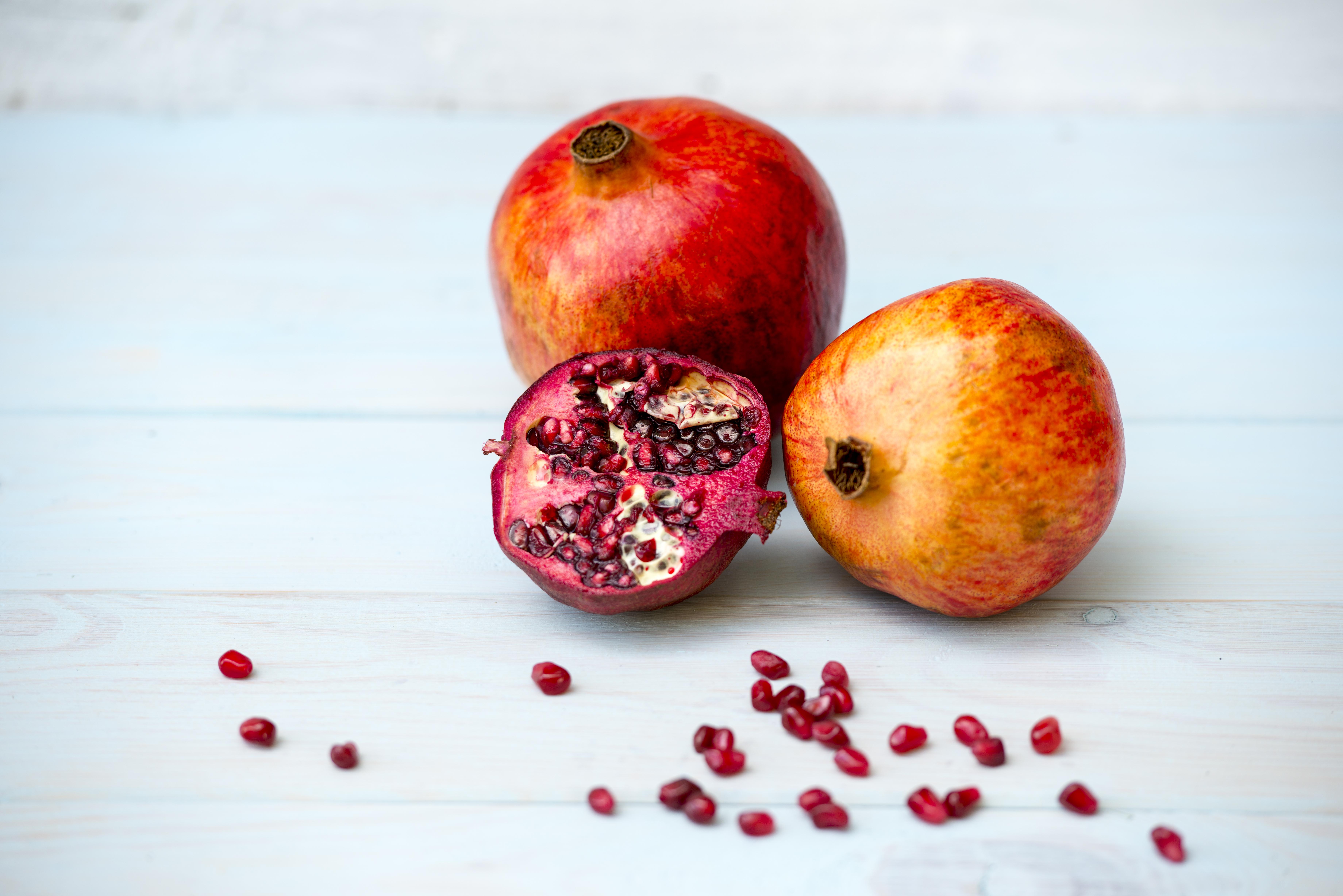 essay on pomegranate fruit