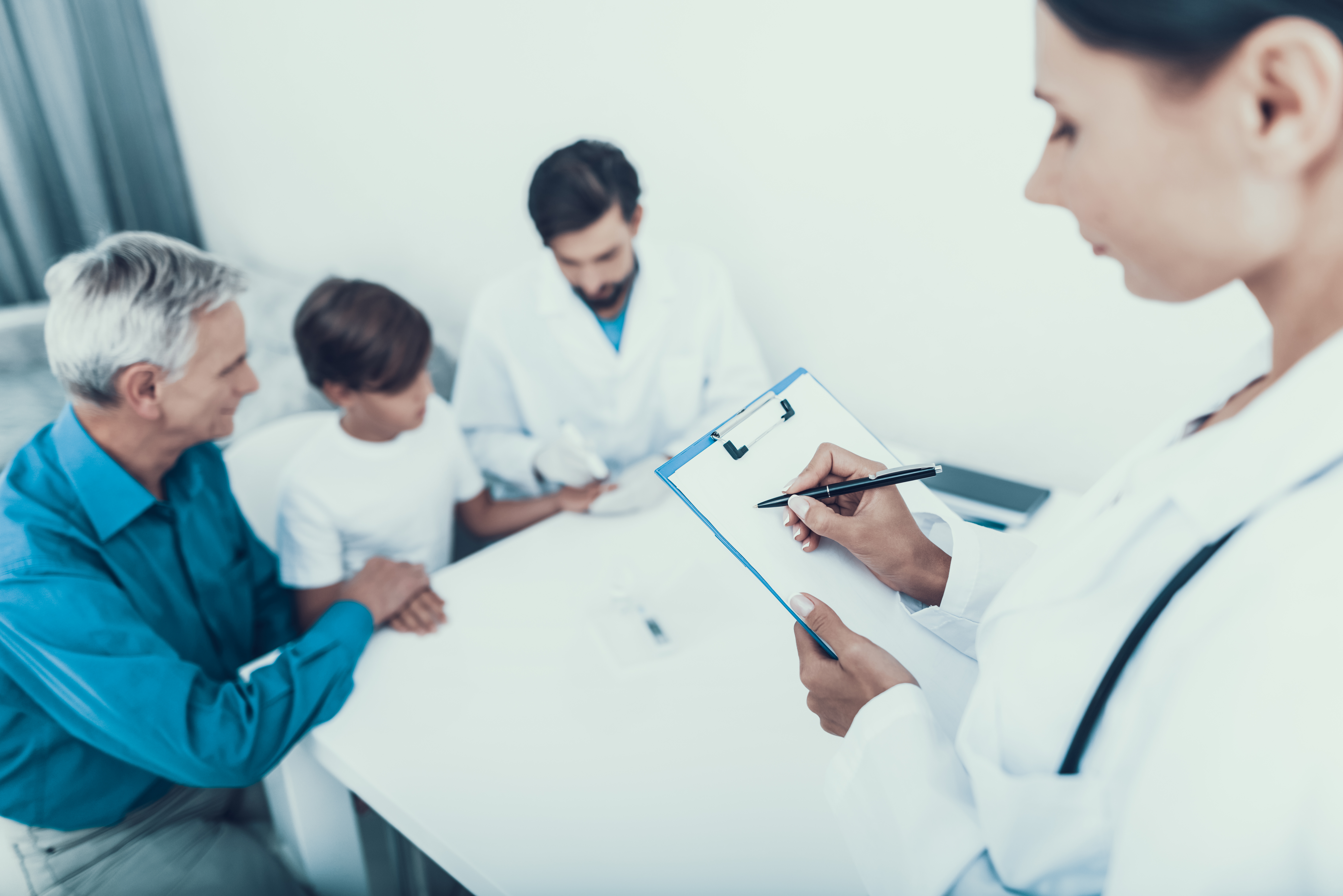 Who Are the Types of Doctors That Investigate Diseases