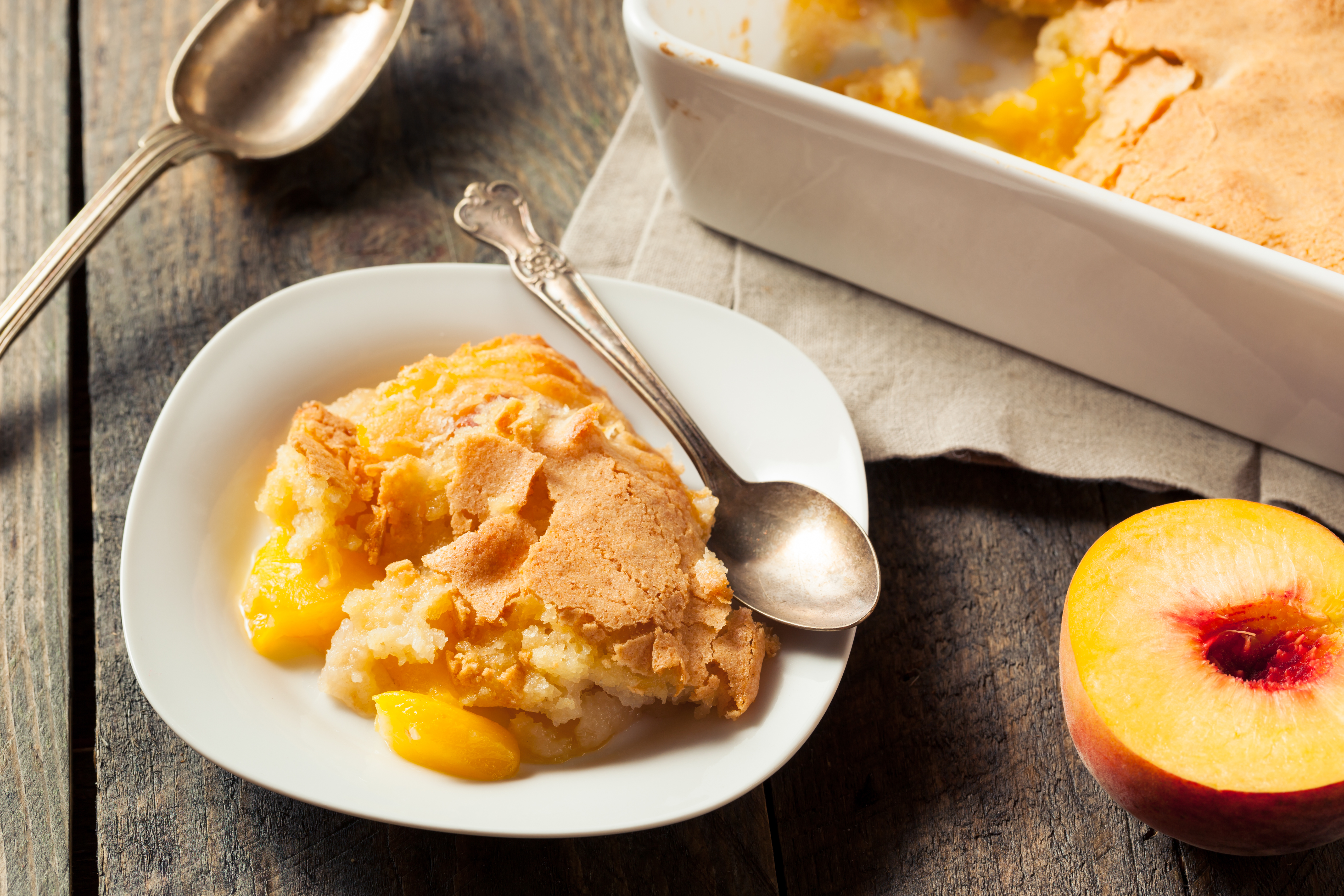 How to Make Peach Cobbler With Frozen Peaches | Mom Life