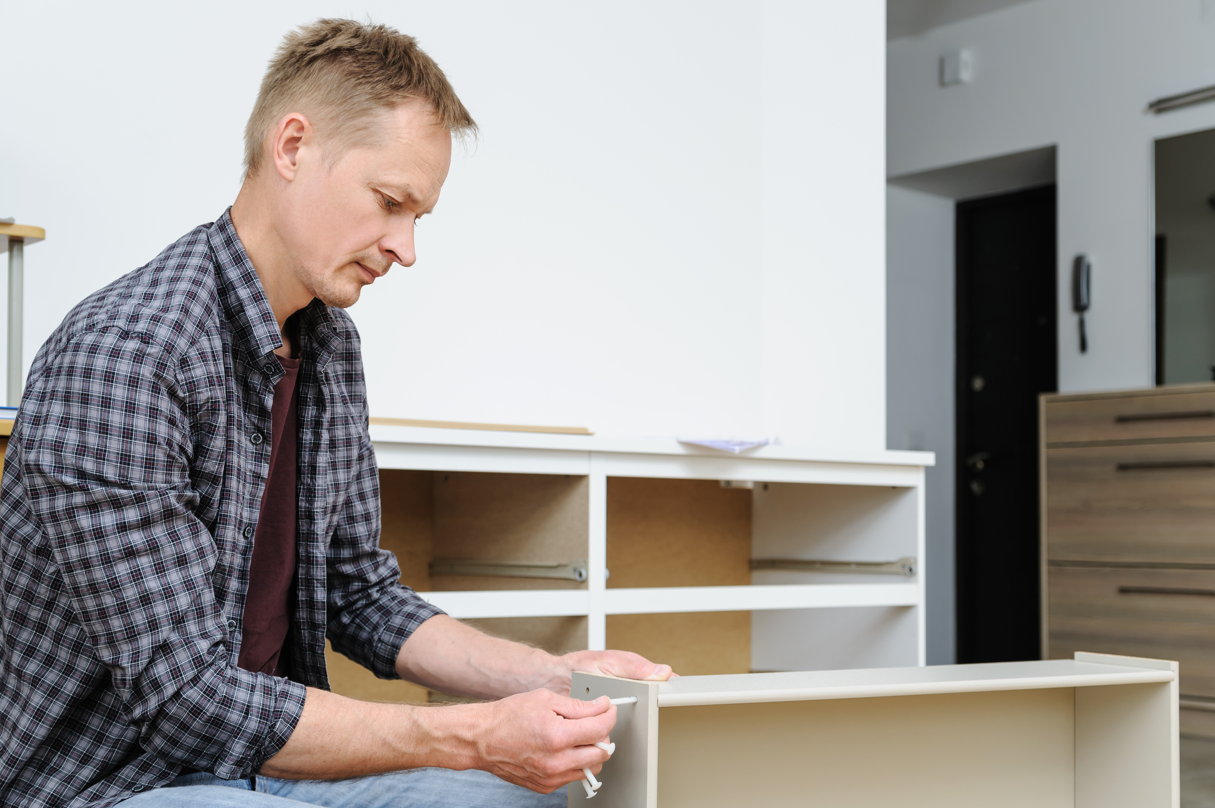 How To Fix Dresser Drawers That Fall Off Track Home Guides Sf Gate