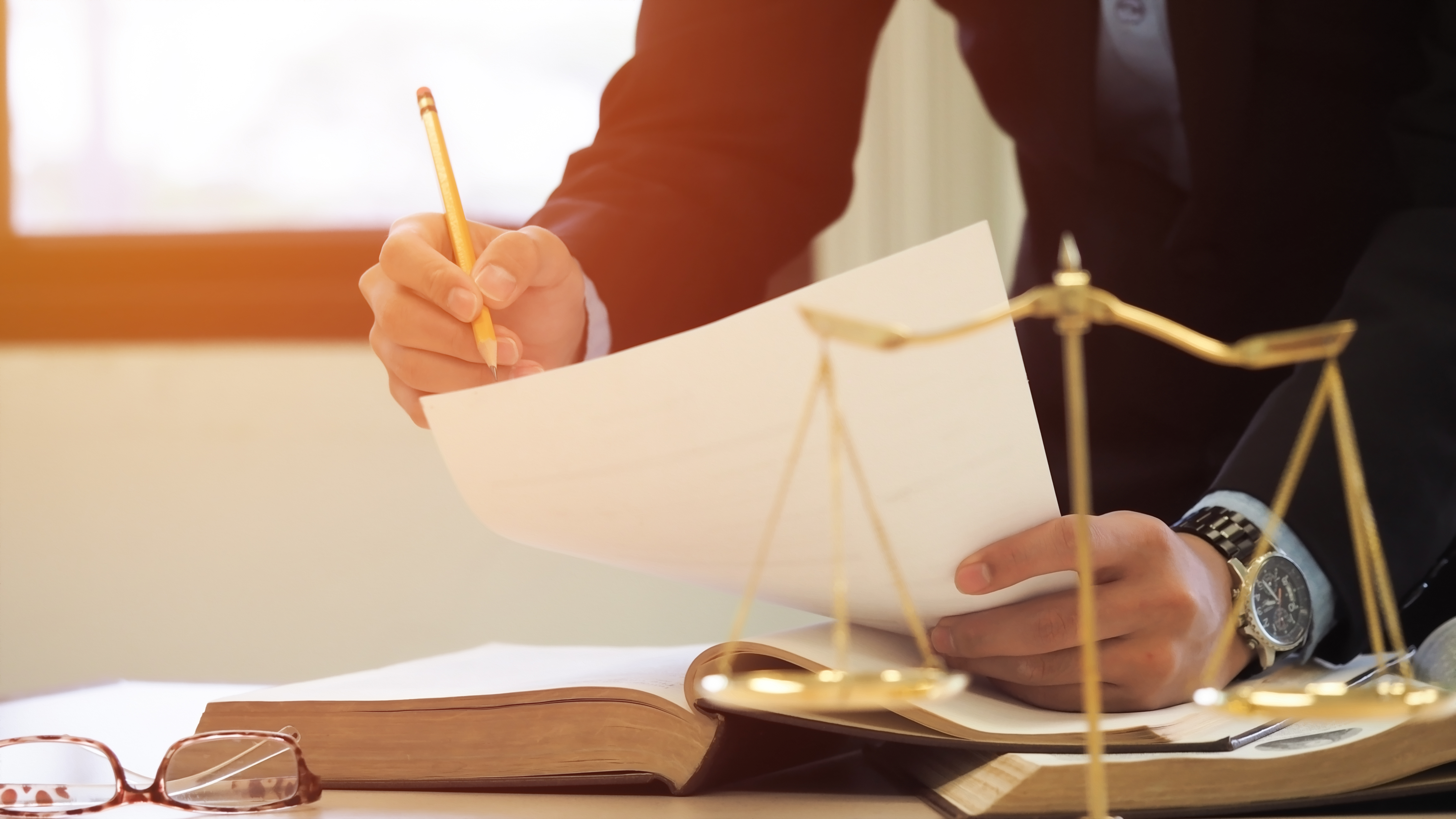 How to Become a Lawyer After 30 | Career Trend