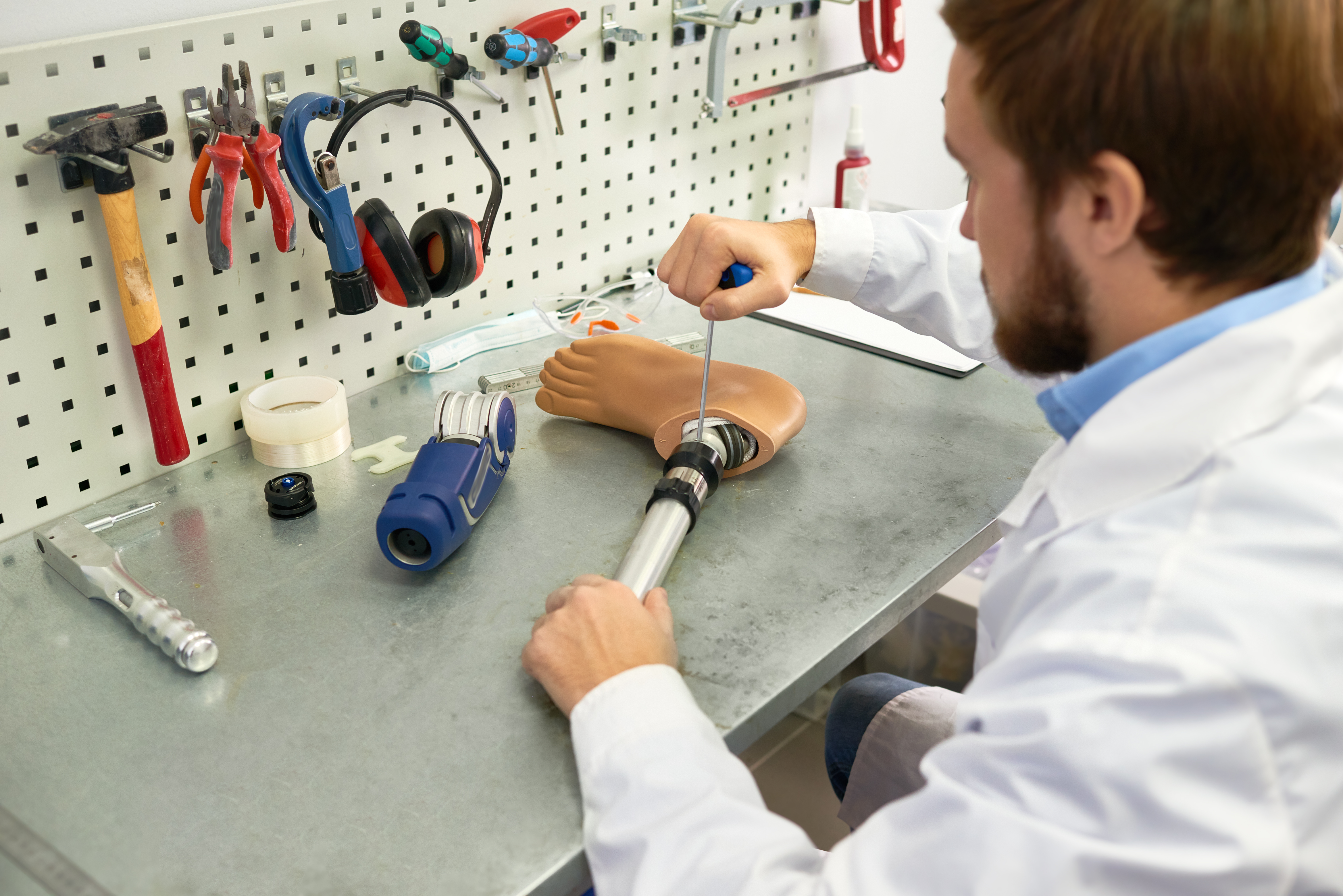 How to Become a Prosthetic Engineer