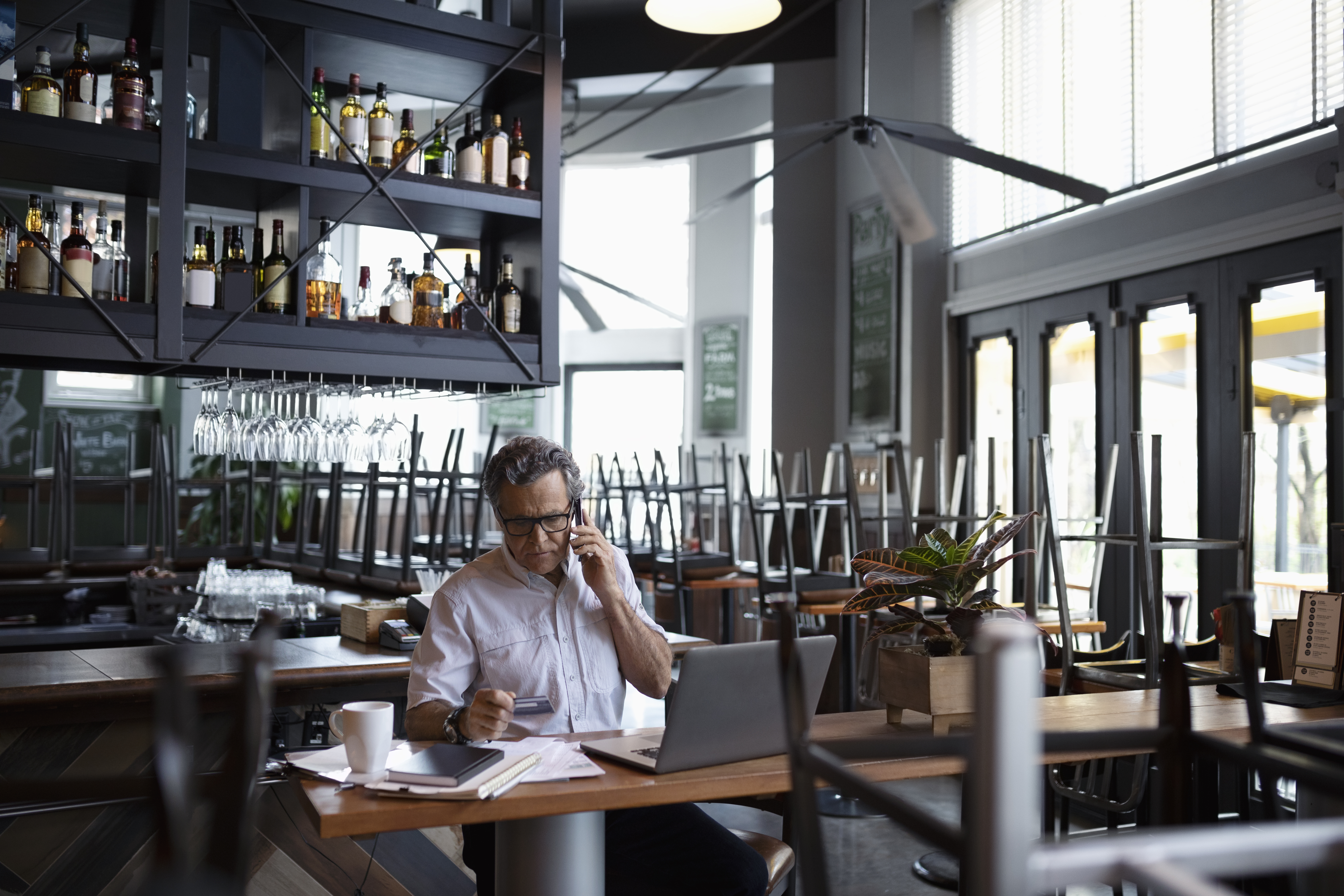 Political Problems Affecting the Restaurant Industry | Bizfluent
