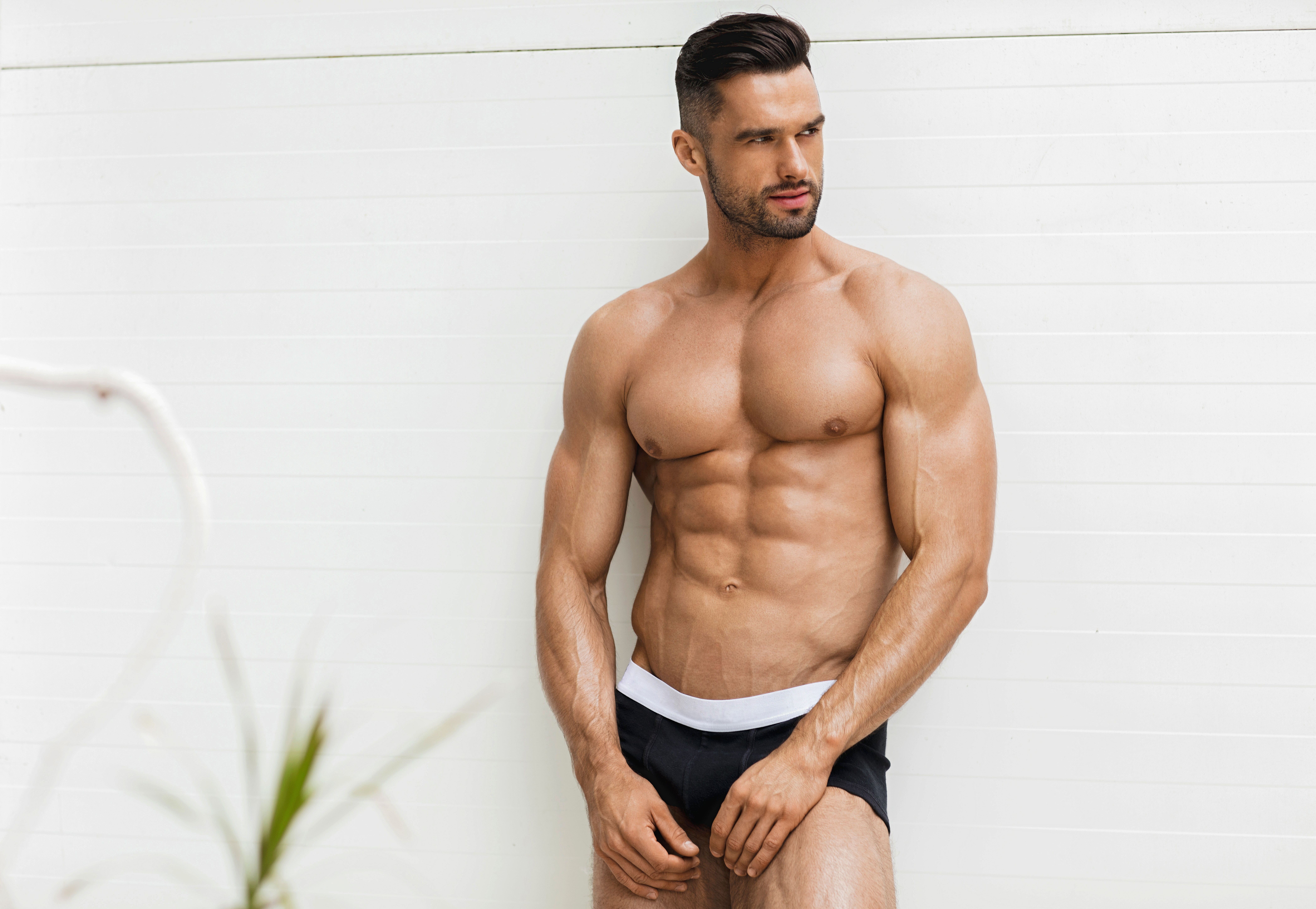 The Ideal Weight for a 6-Foot Male Model | Career Trend