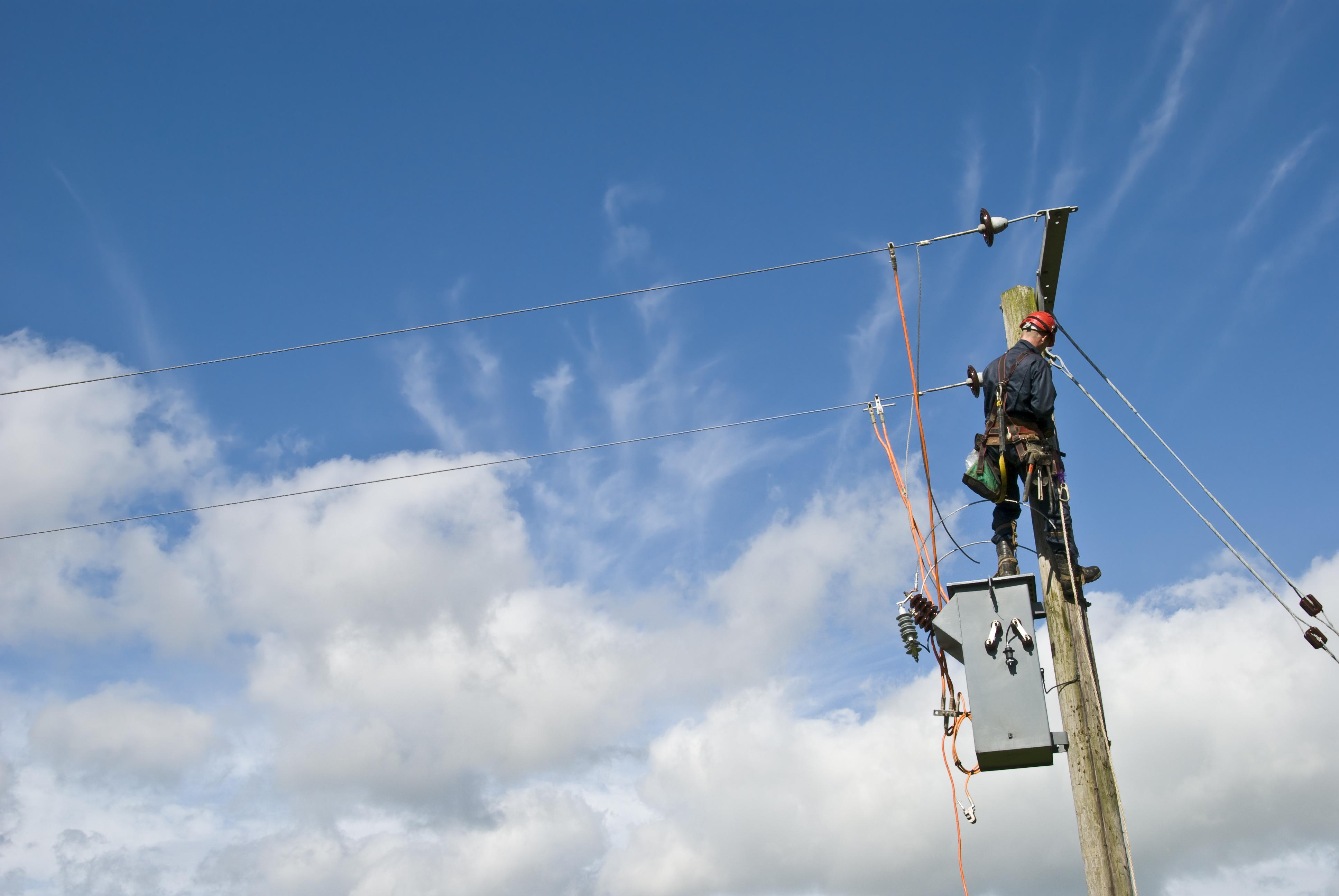 AT&T Cable Splicer's Job Description | Career Trend
