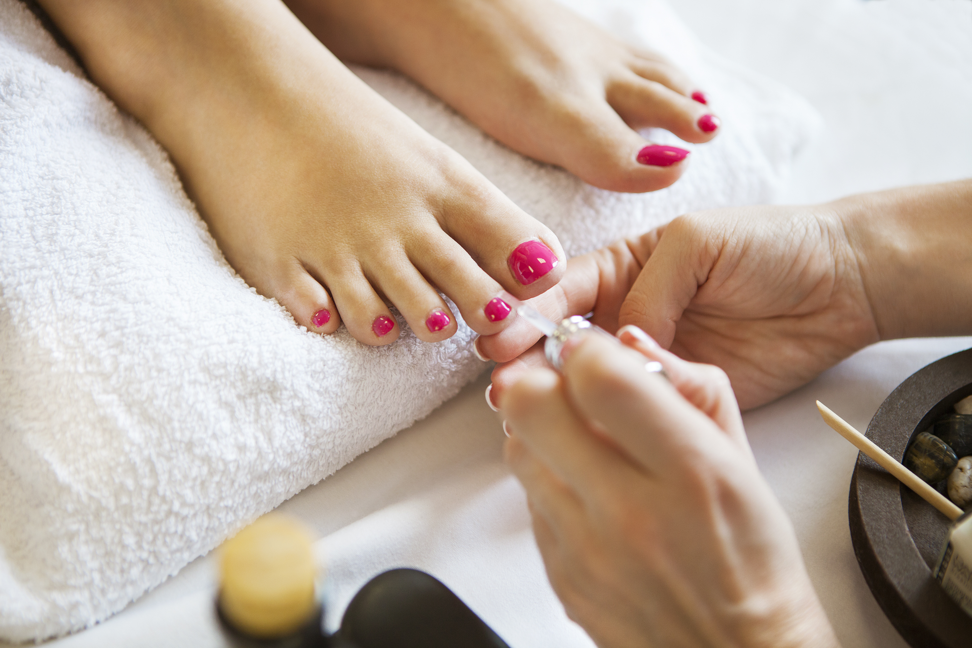 What Happens During a Pedicure? | LEAFtv