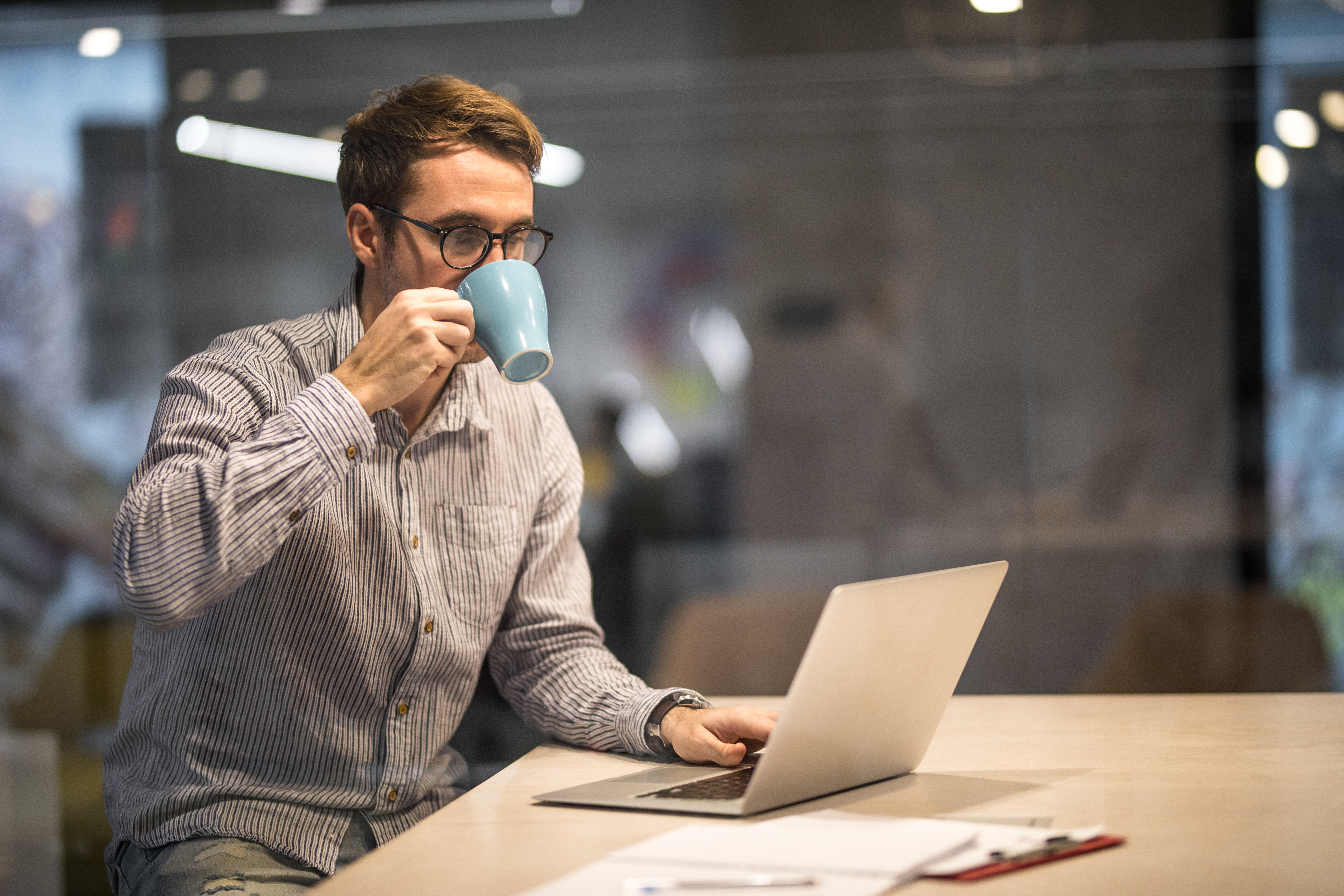 Tracking a MoneyGram Transfer Online - Budgeting Money