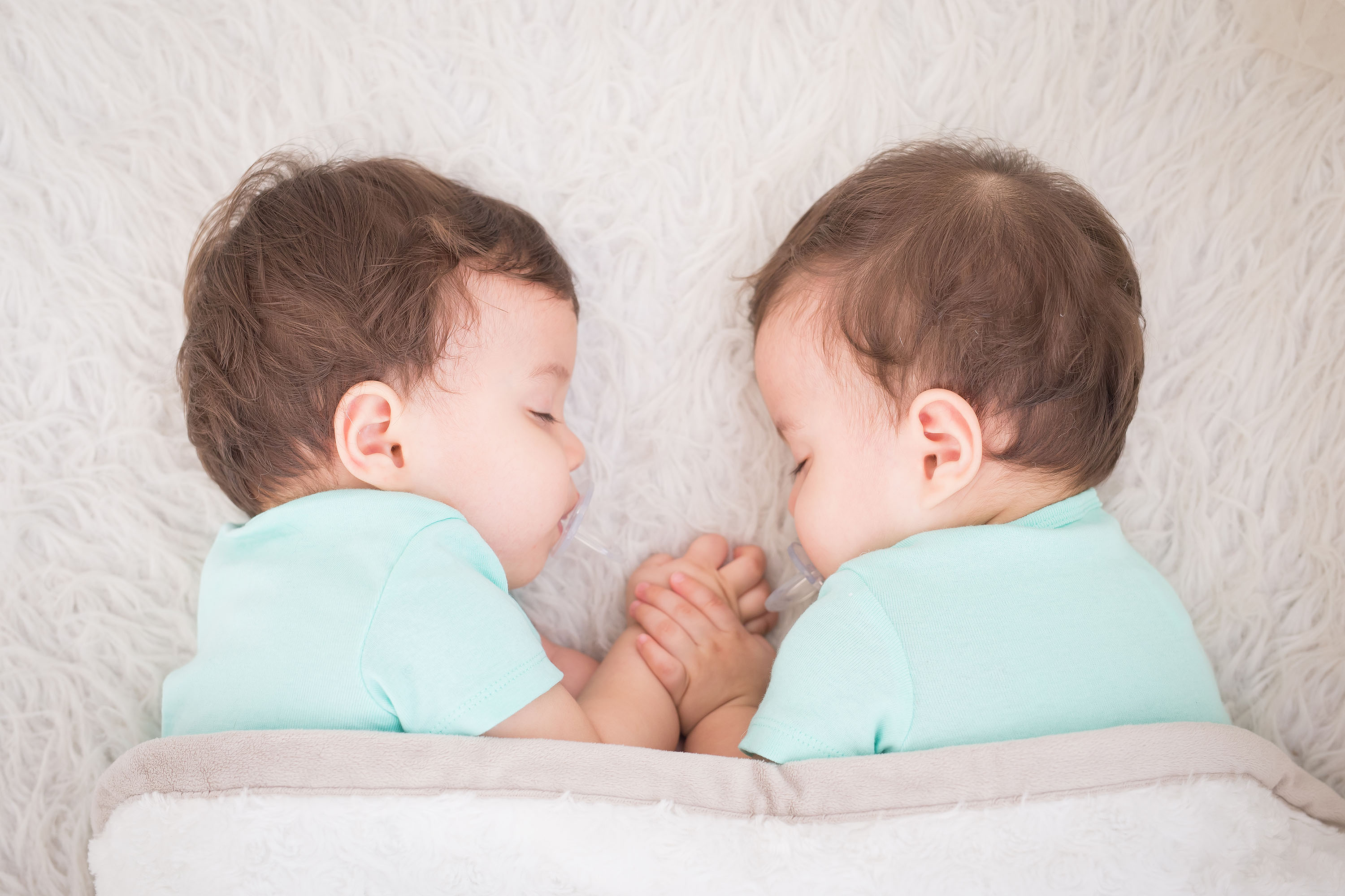 Fraternal and identical twins different sexual orientation