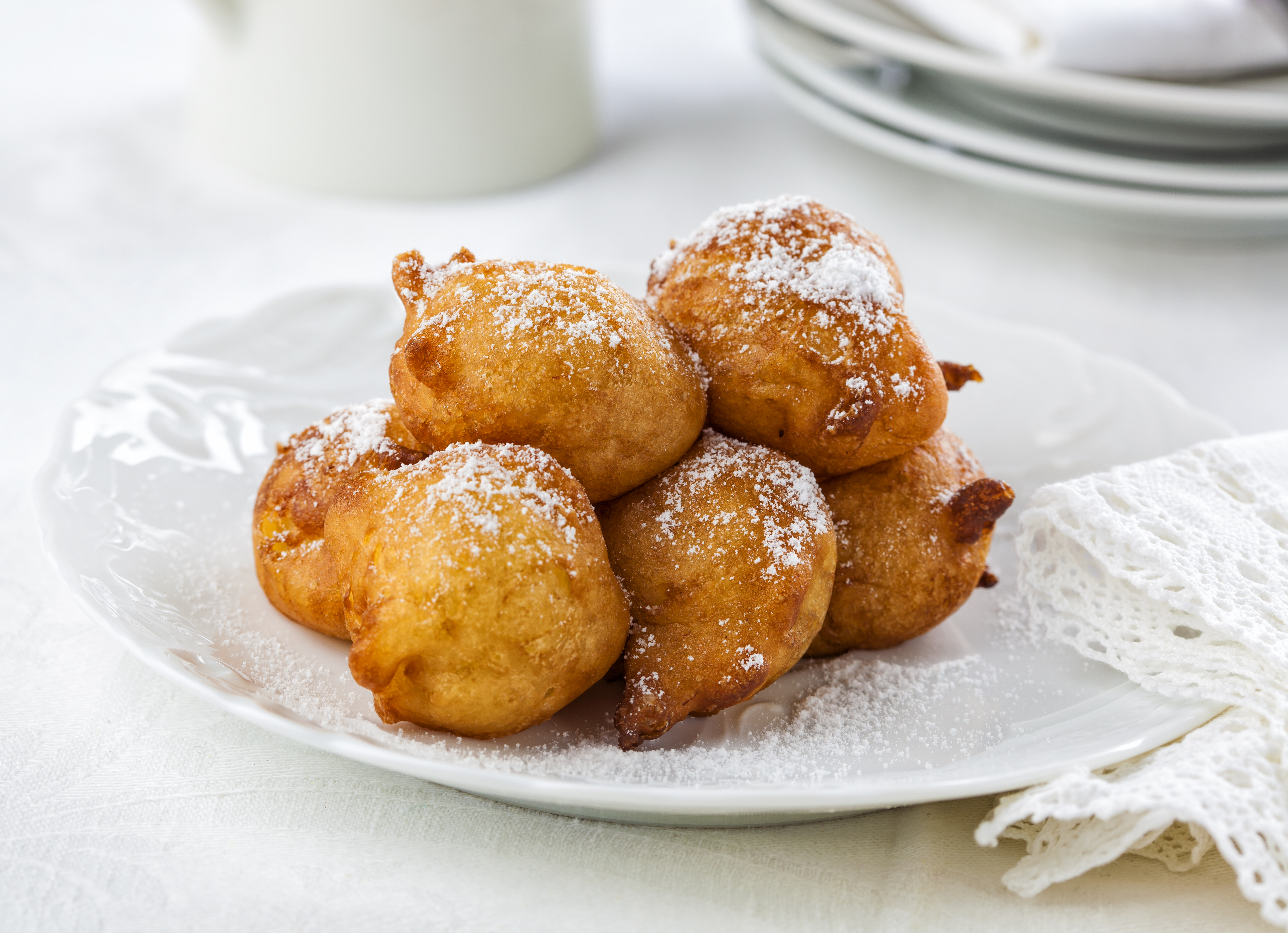 The Nutritional Content Of A Fried Apple Fritter