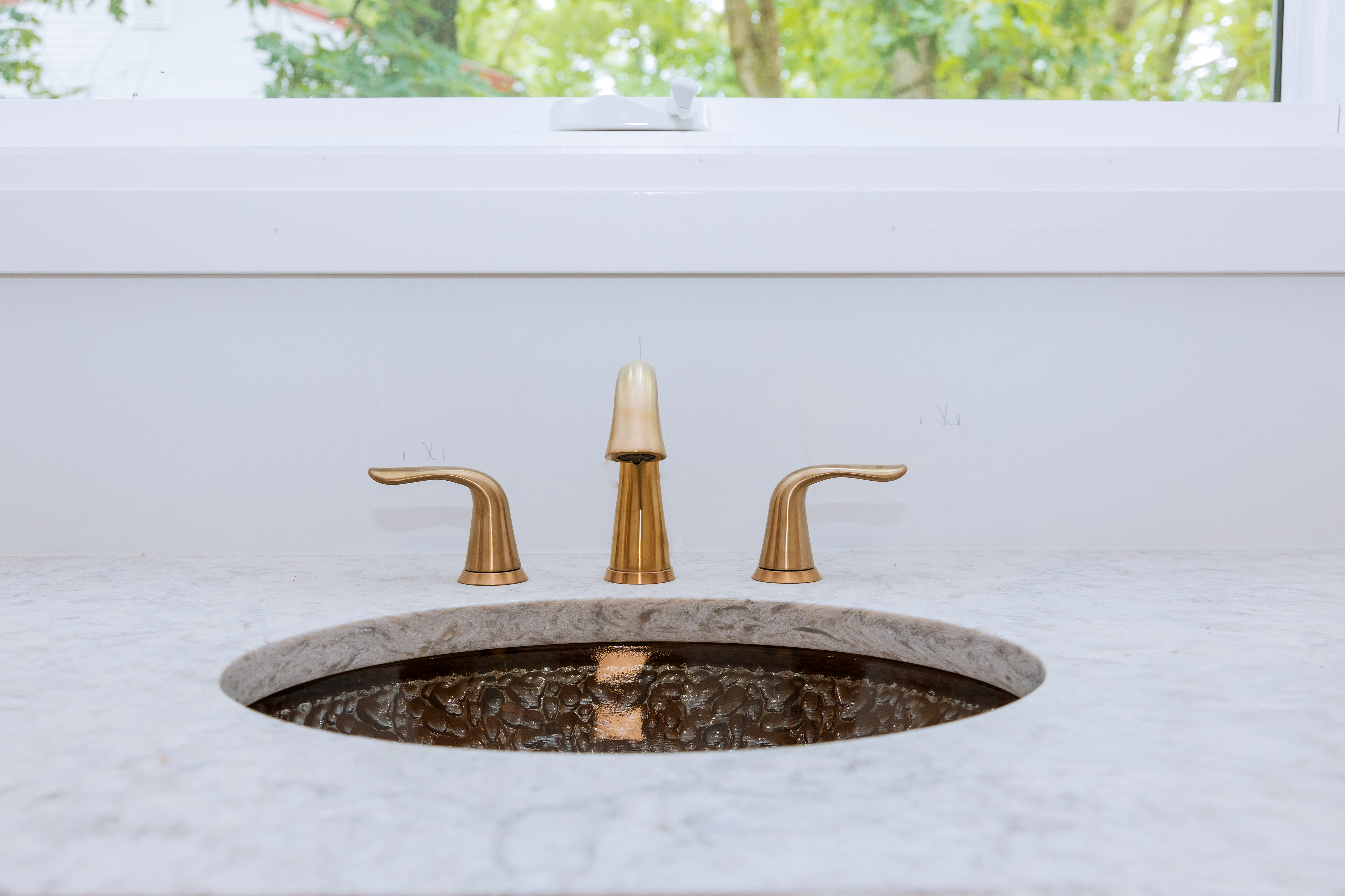 How To Position Faucets With Undermount Sinks Hunker
