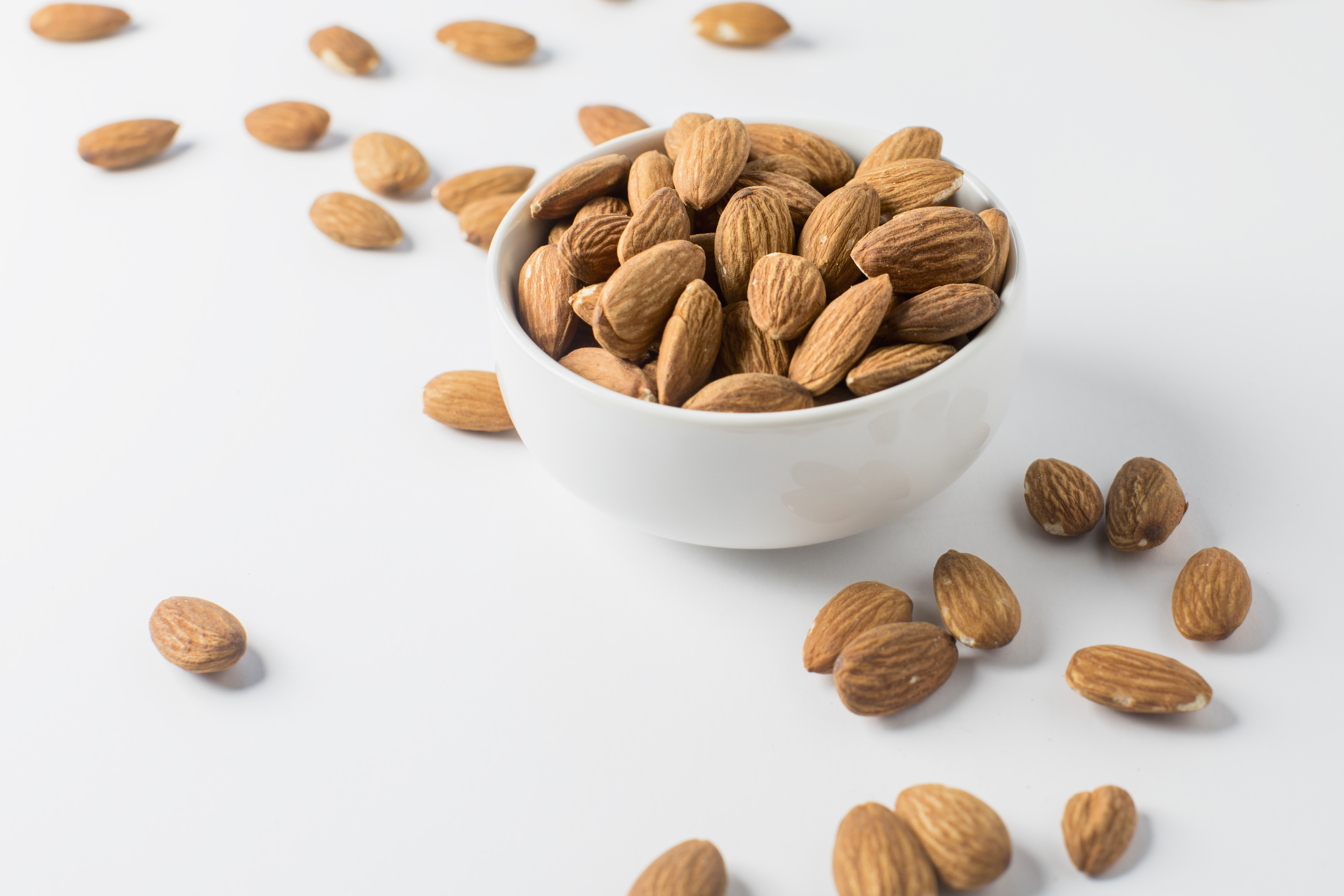 Nutrition Information Raw Almonds Vs. Roasted Almonds | Healthy Eating | SF  Gate