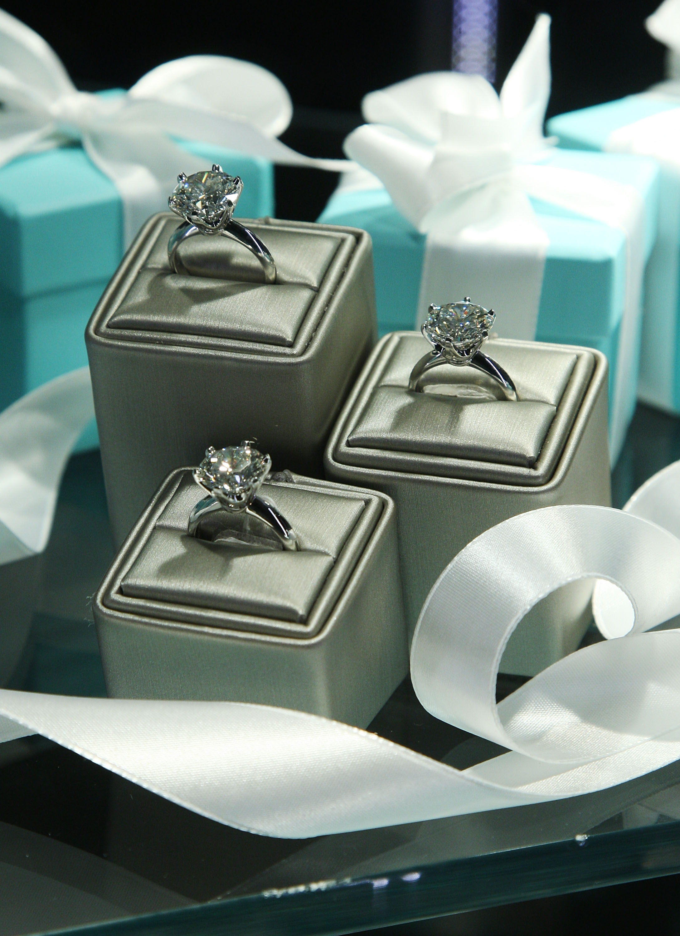 98d5366acc8c6 How to Spot Fake Tiffany and Co. Jewelry | LEAFtv