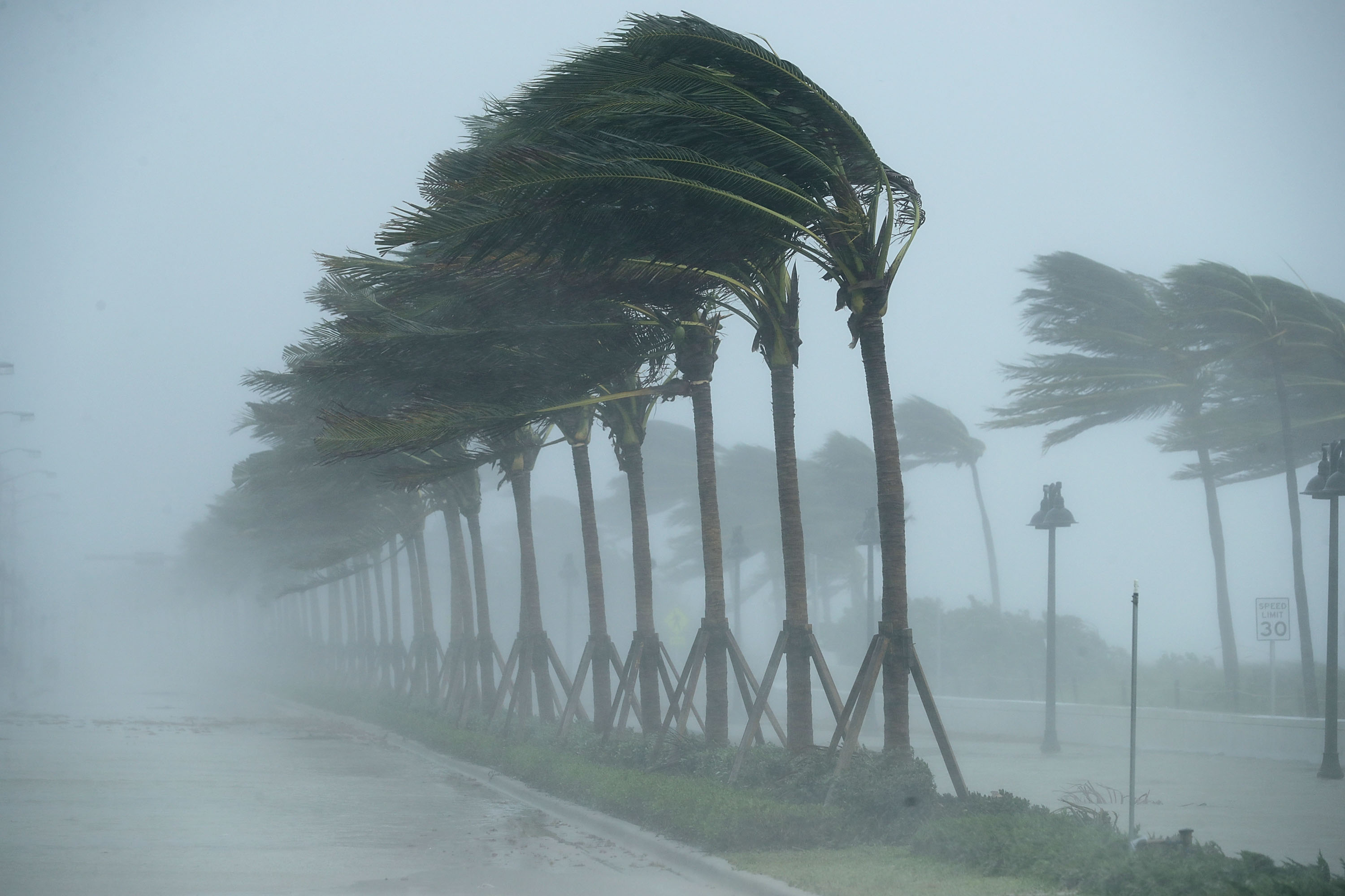 Warning Signs For A Hurricane Sciencing