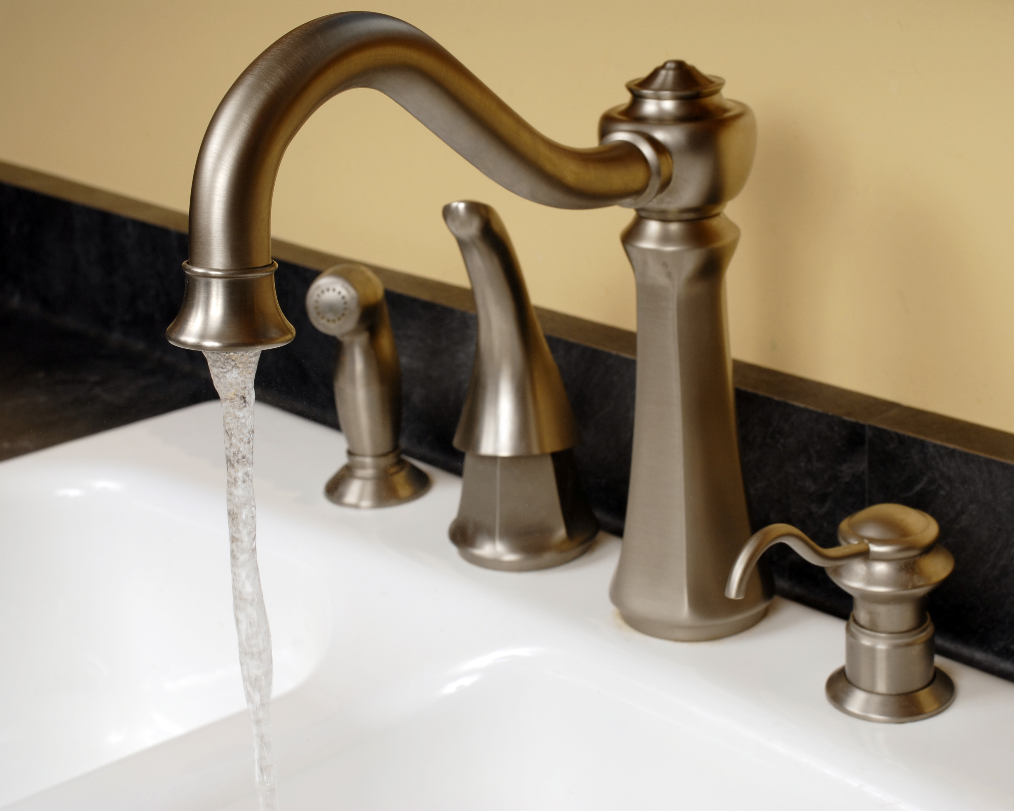 How To Fix A Leaky Delta Two Handled Kitchen Faucet