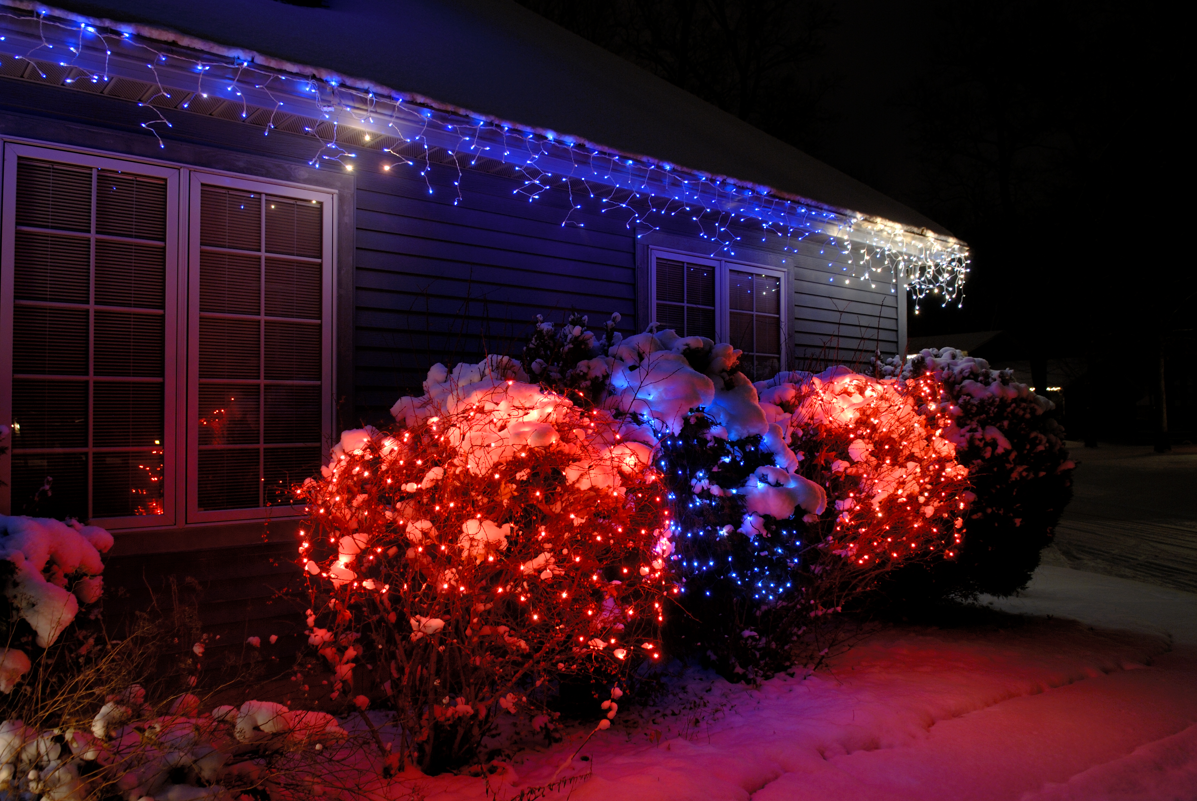 Tips For Decorating Bushes With Christmas Lights Home Guides Sf Gate