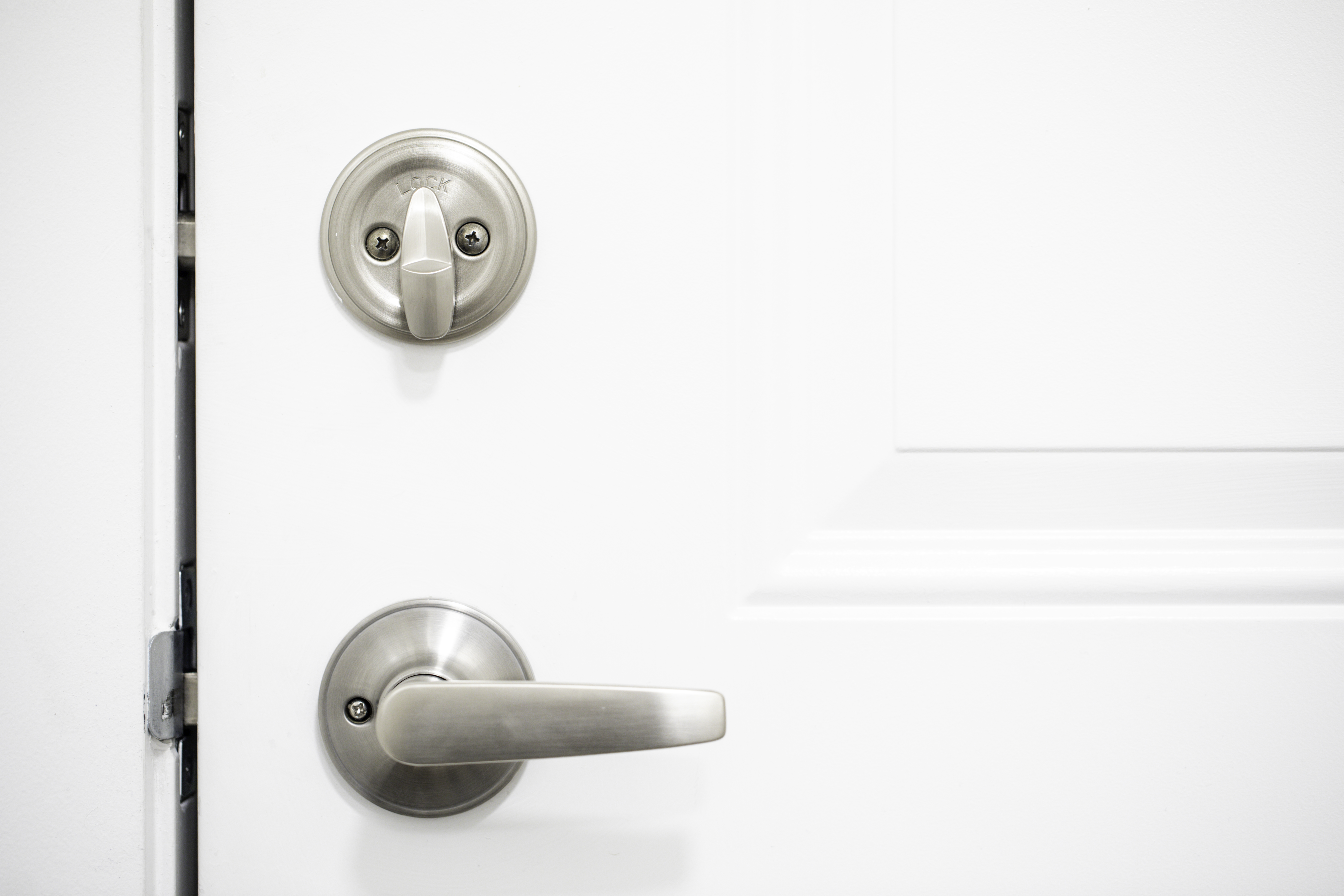Enjoyable How To Replace A Deadbolt Thats Stuck In The Frame Home Home Interior And Landscaping Ologienasavecom